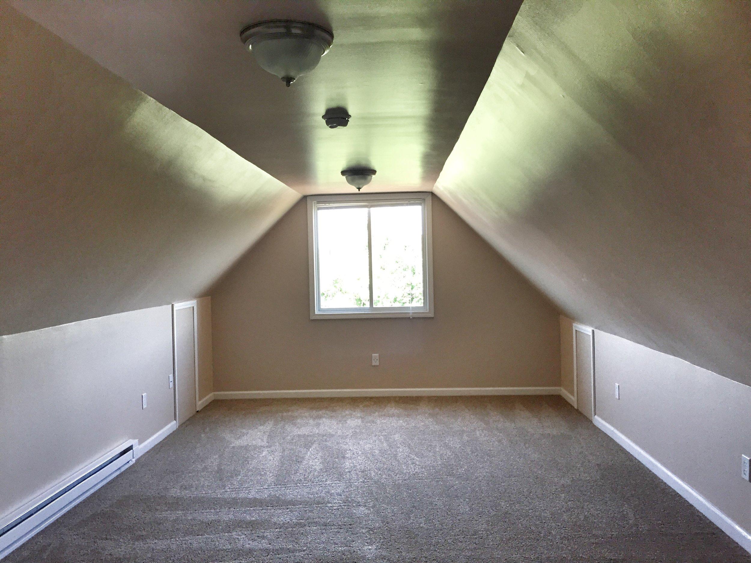3704.3rdfl.carpet.jpg