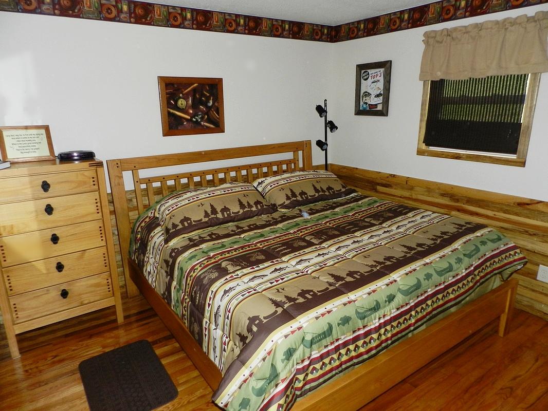 bedroom #1 w/king bed