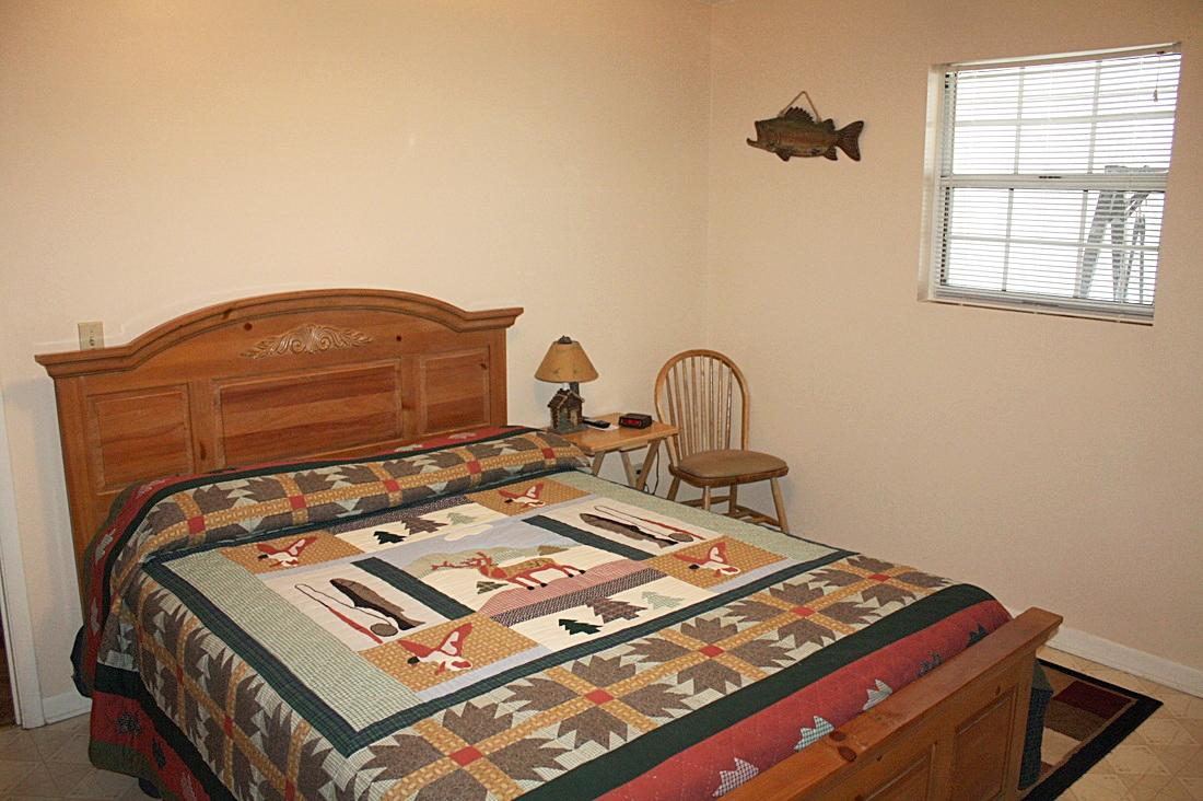 bedroom #1 w/queen