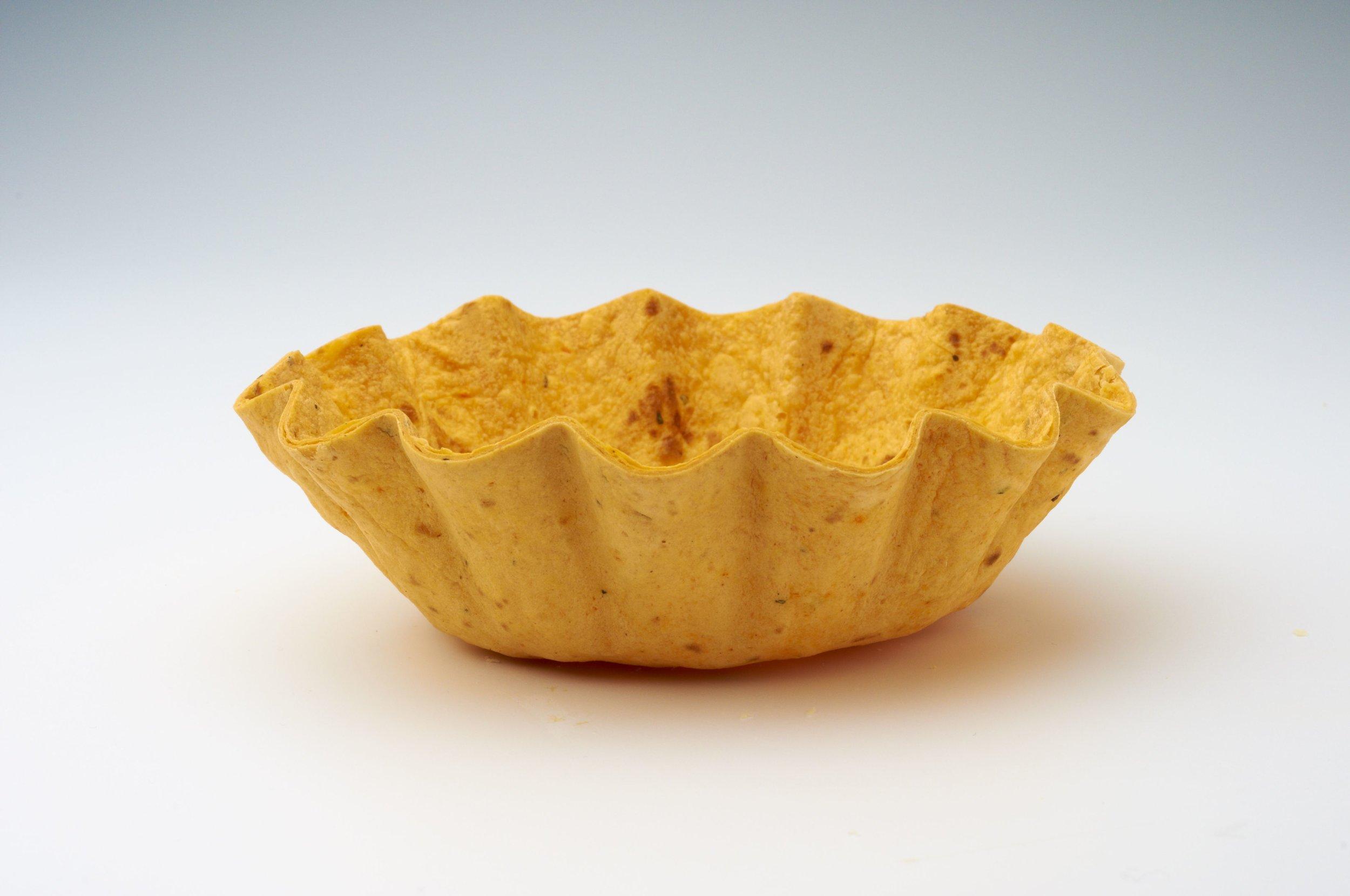 "5 "" Tomato Tortilla Basket Flutted  Product code - FF4150 Dimensions - 13.2 x 3.8 cm 48 units per box"