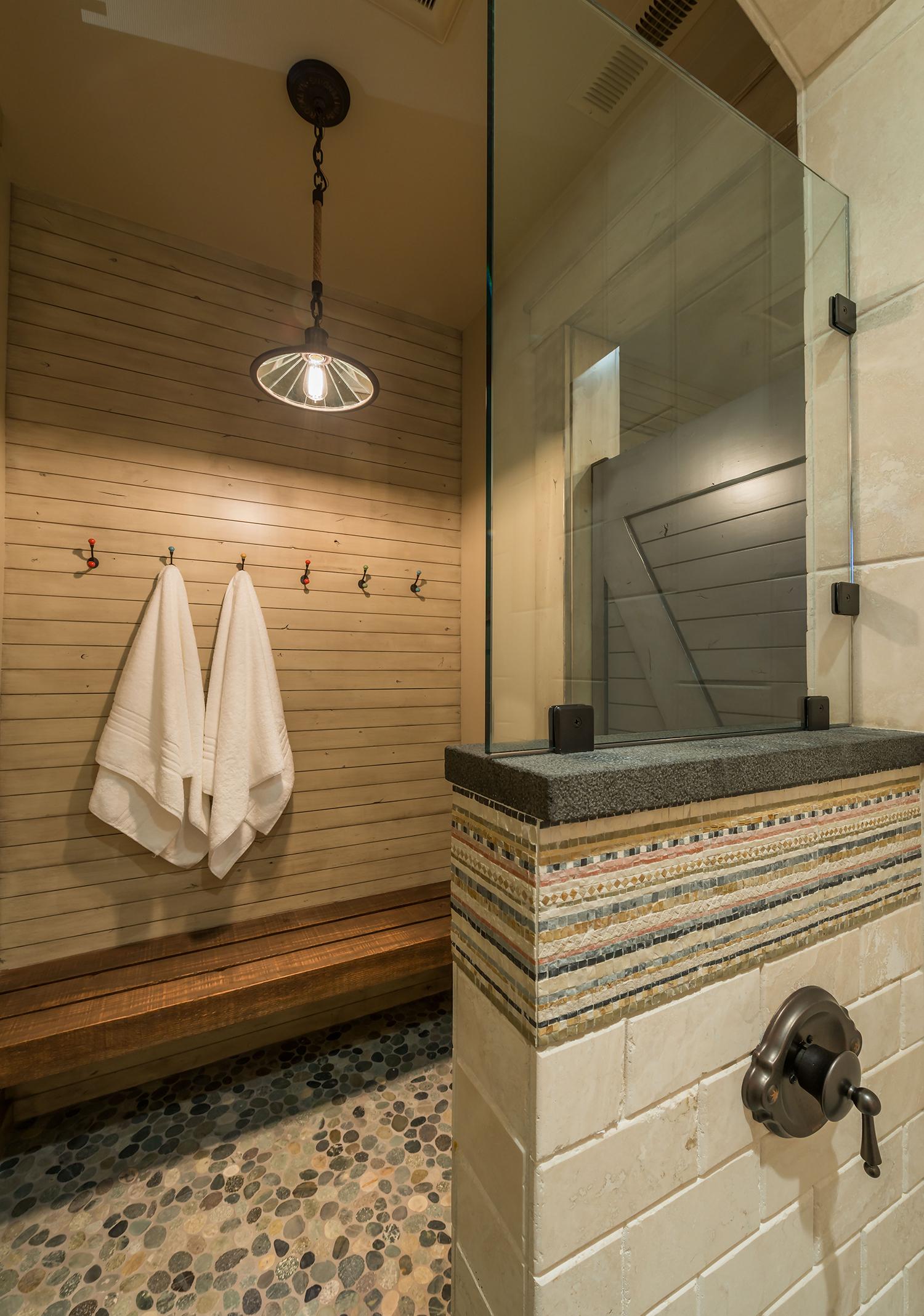Lot 513_Shower Stall_Tile.jpg