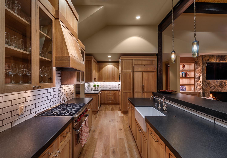 Lot 292_Kitchen_Farmhouse sink_Island_Cabinetry.jpg