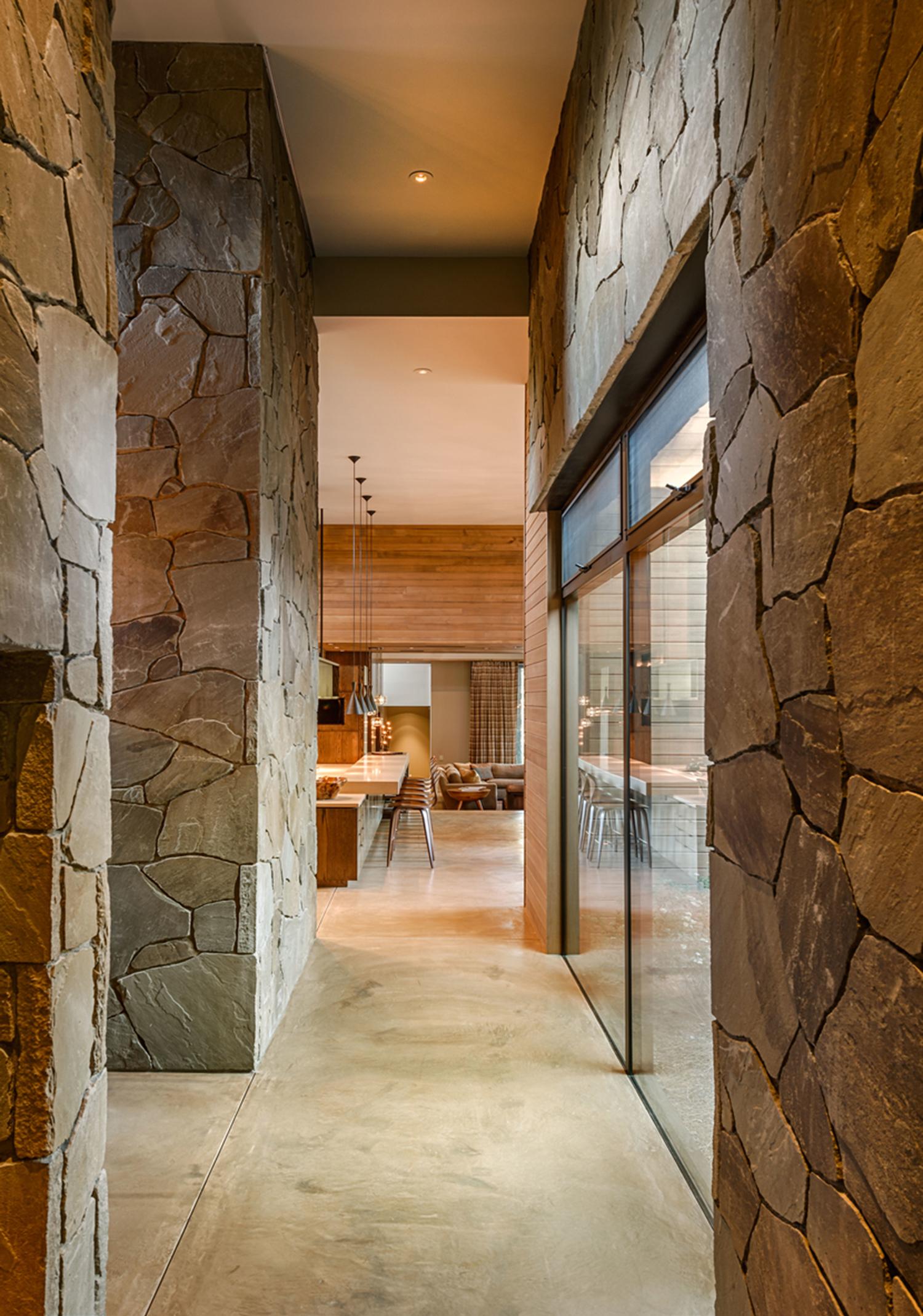 Lot 403_Hall_Masonry Walls_Concrete Floors.jpg