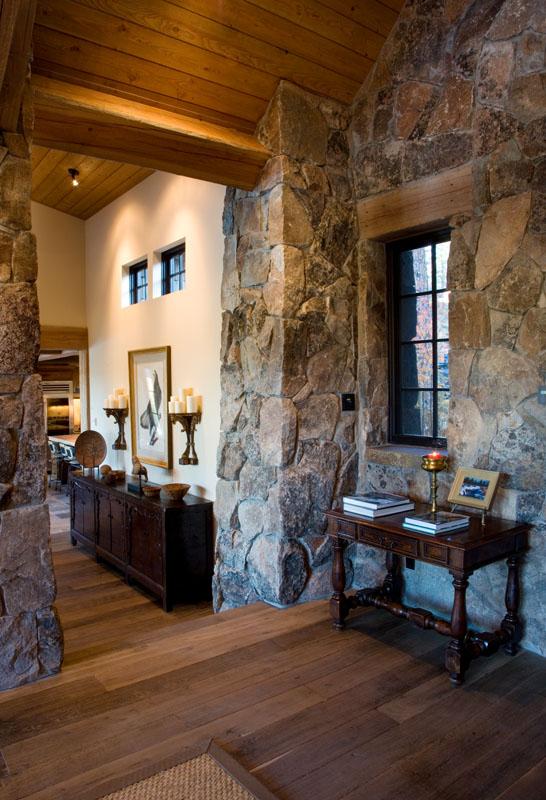 LH 173_Entry_Masonry_Wood Ceilings_Wood Floors.jpg
