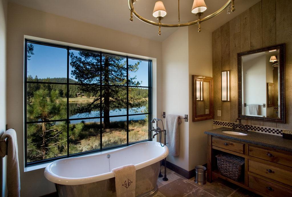 LH 173_Master Bath_Freestanding tub_Floor mount tub filler_Window.jpg