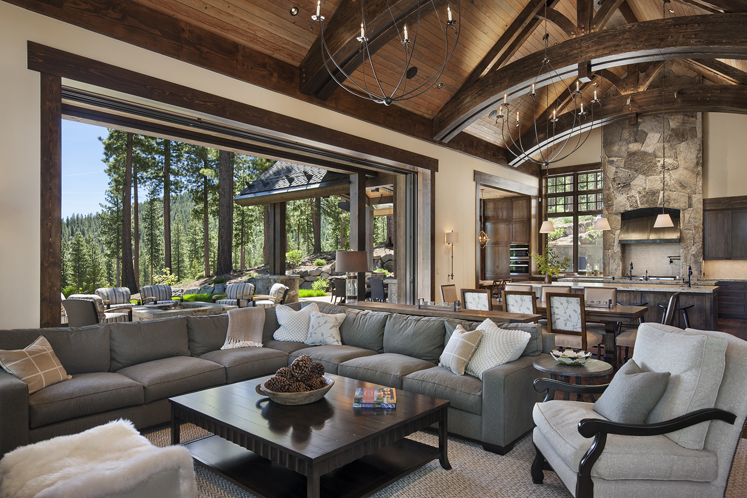 Lot 640_Great Room_Weilans_Outdoor Living Space_Arched Trusses.jpg