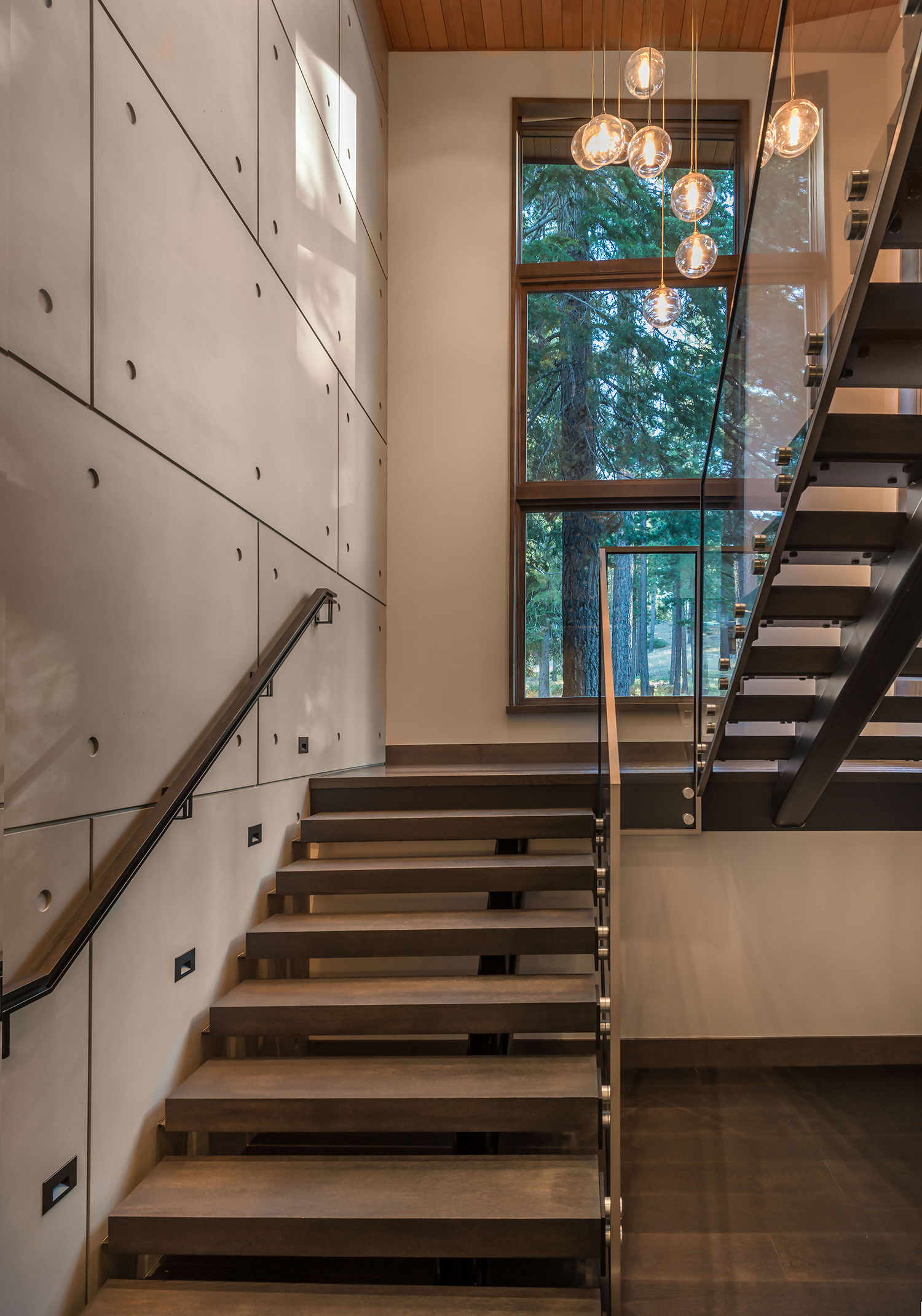 Lot 646_Stairwell_Concrete Wall_Glass Handrail .jpg