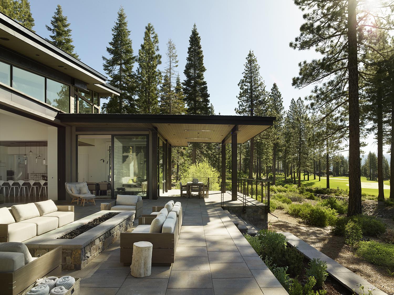 Lot 188_Exterior_Terraces_Firepit_Weiland Doors_Pavers.jpg