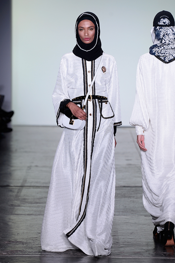 Image provided by    Fashion Week Online