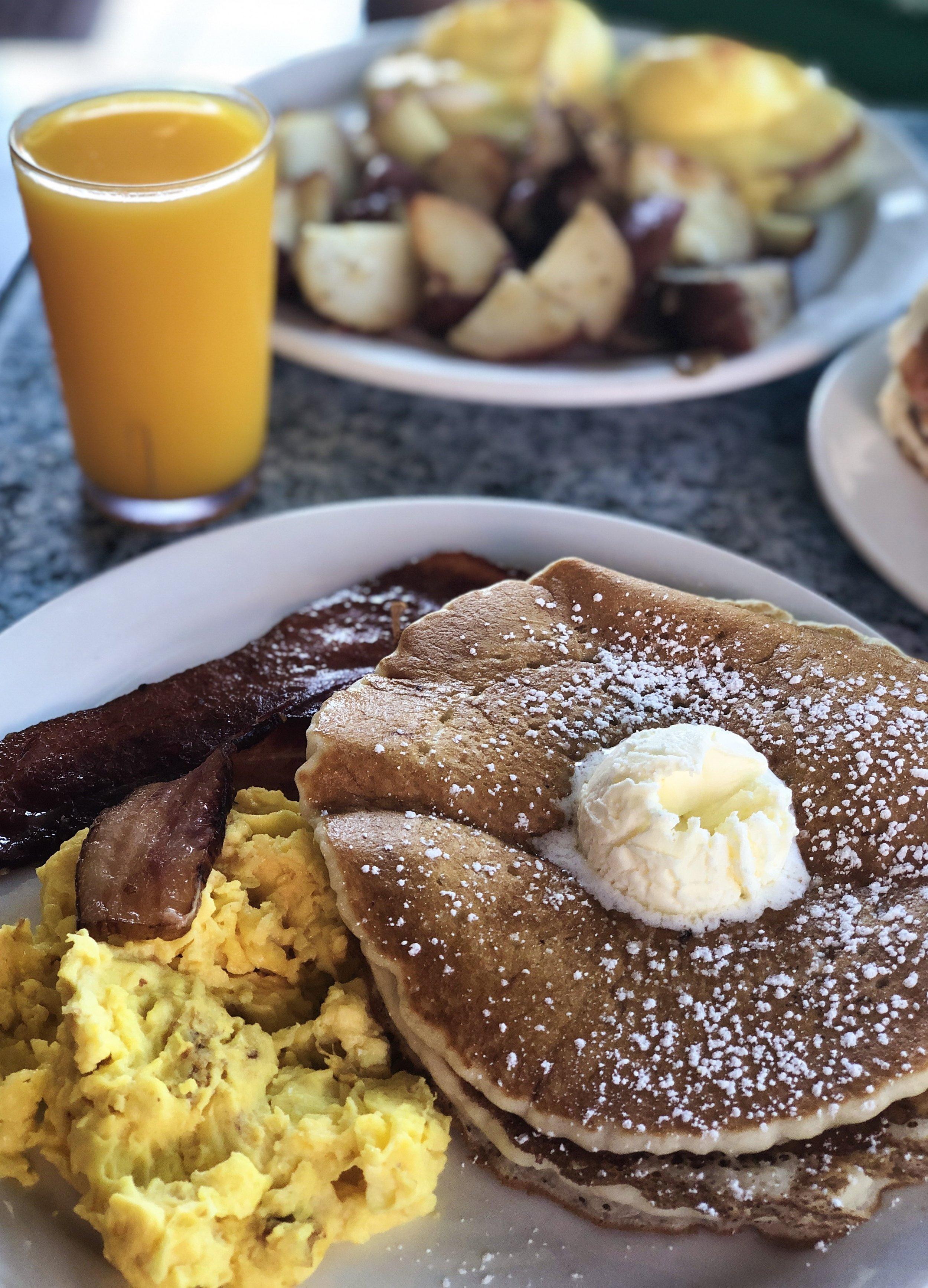 Kihei Cafe Breakfast, Best Breakfast Spots in Maui, Hawaii.