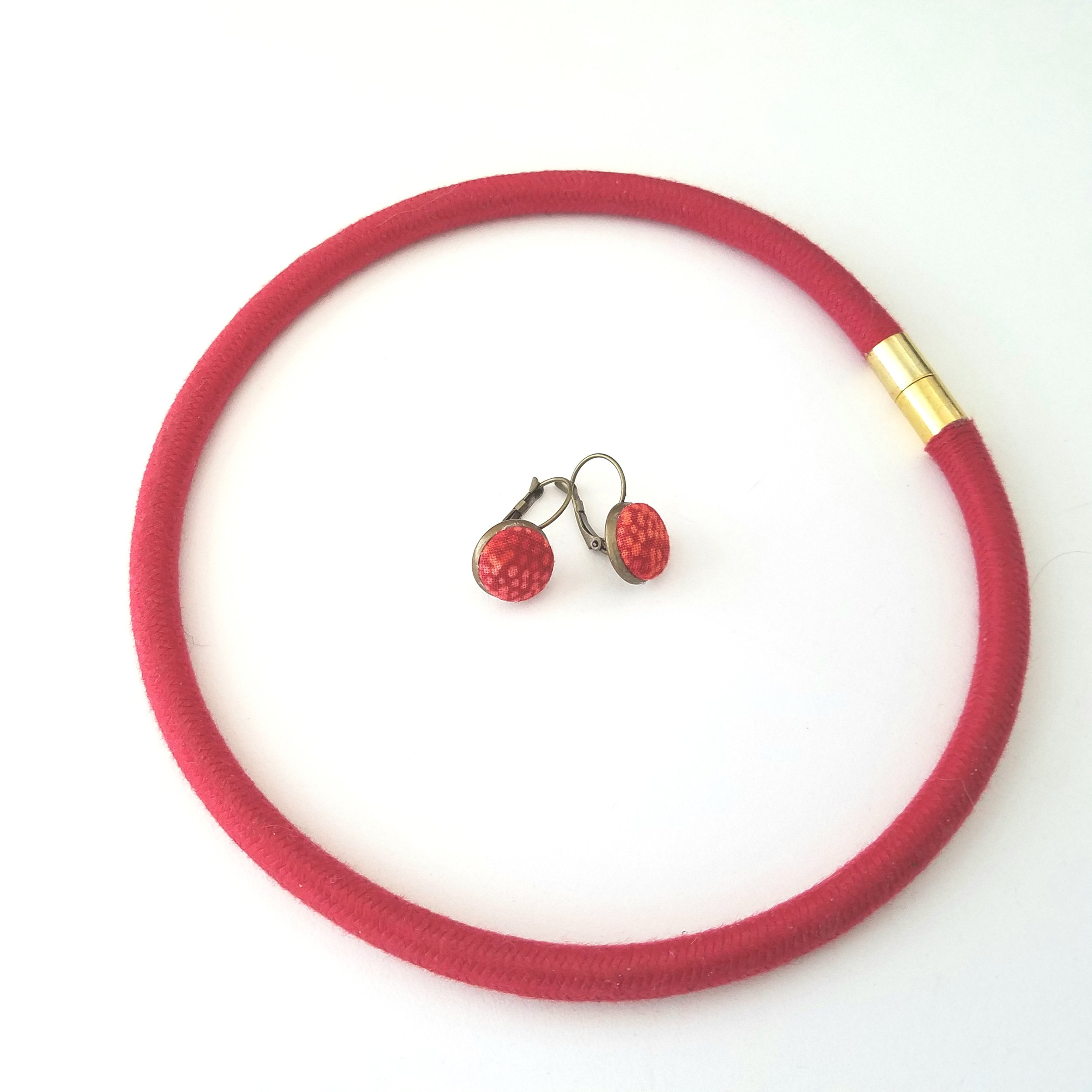 textile jewelry red.jpg