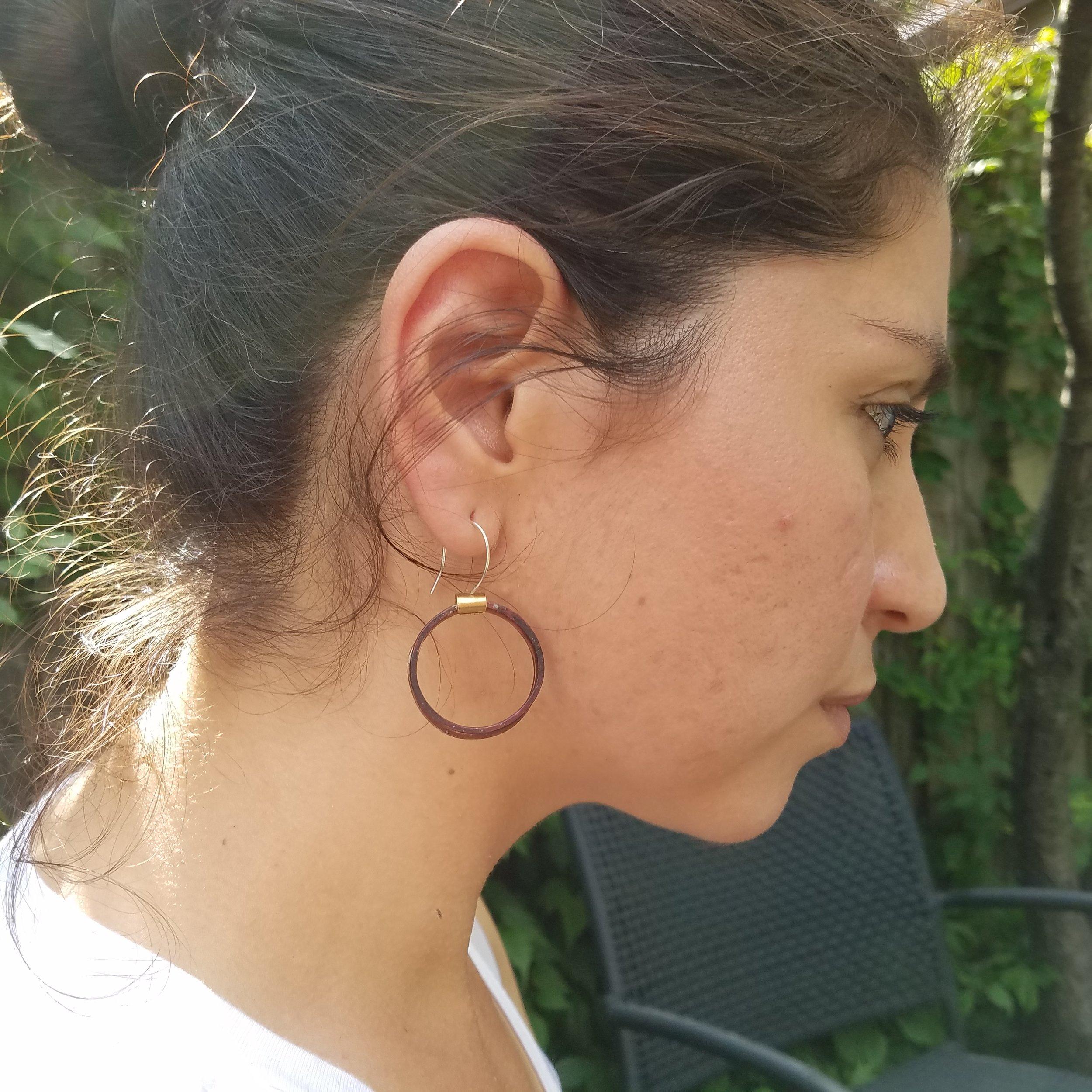 RING EARRING MODEL.jpg