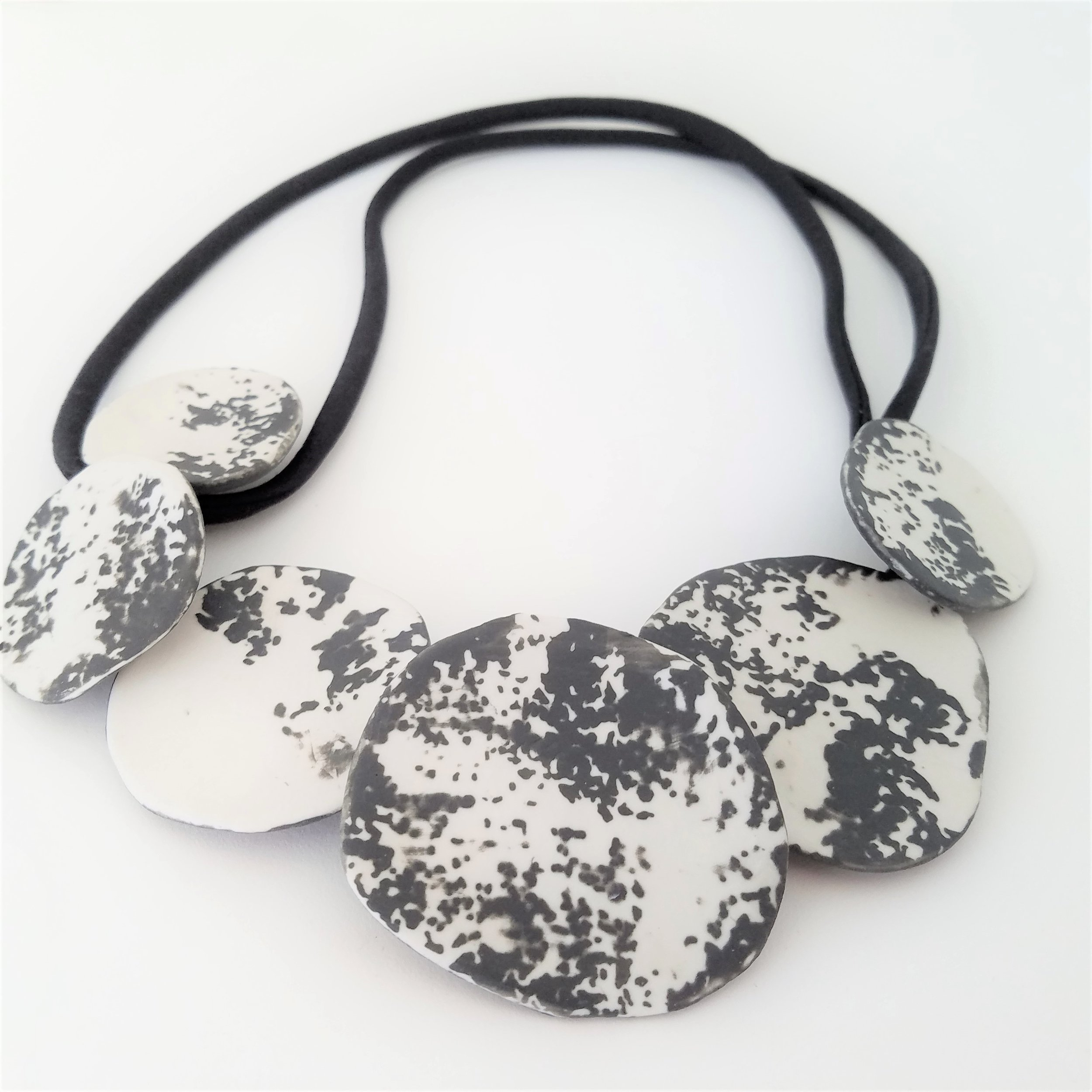 abstract ceramic cluster necklace (2).jpg