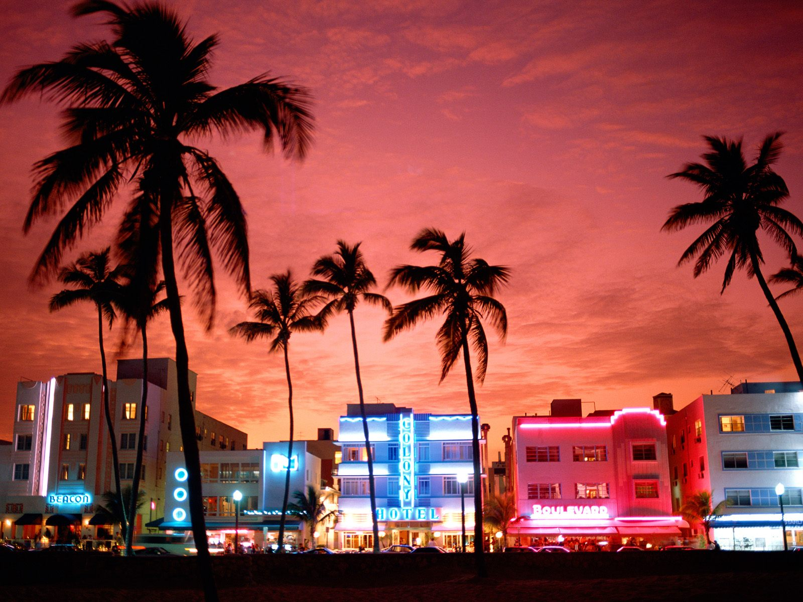 Top-Motels-South-Beach.jpg