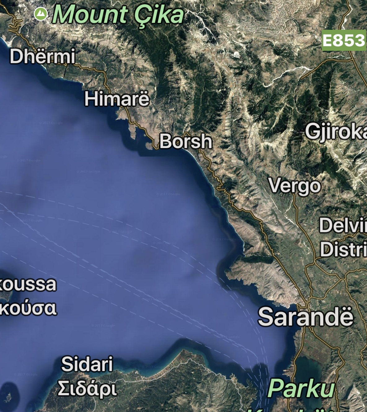 We stop in Dhermi, repack and get through the first barrier of breaking waves. Off towards Sarandë, 80 km. It's a hard paddle.