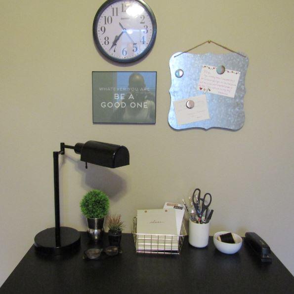 Teachers Home Desk JPEG.JPG
