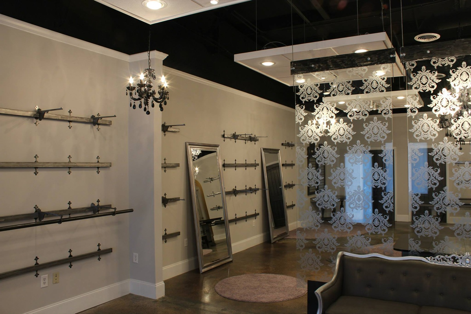 Showroom & Retail Display -