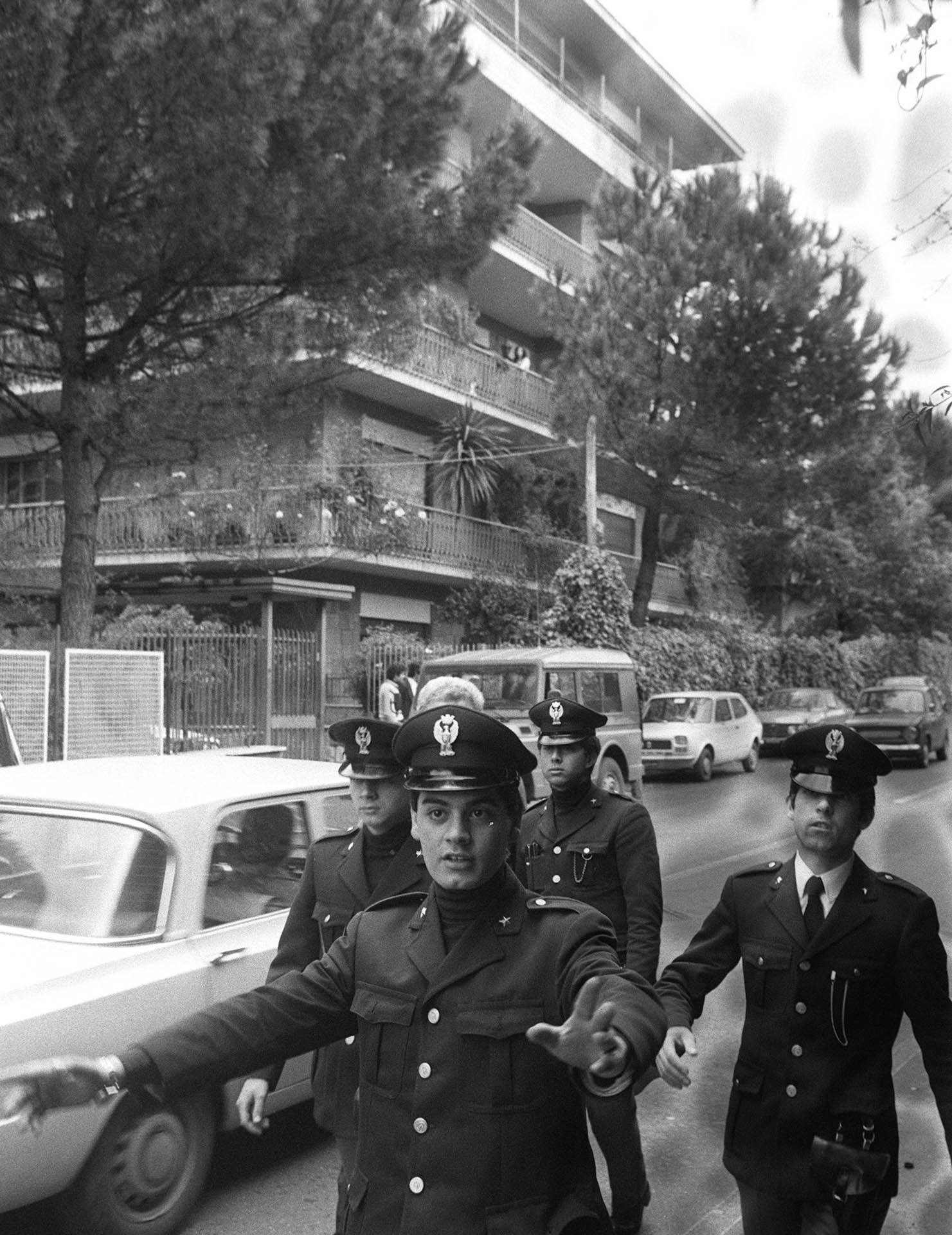 Rome, Italy - 10 May 1978 The reaction of the people after the discovery of Aldo Moro's corpse.