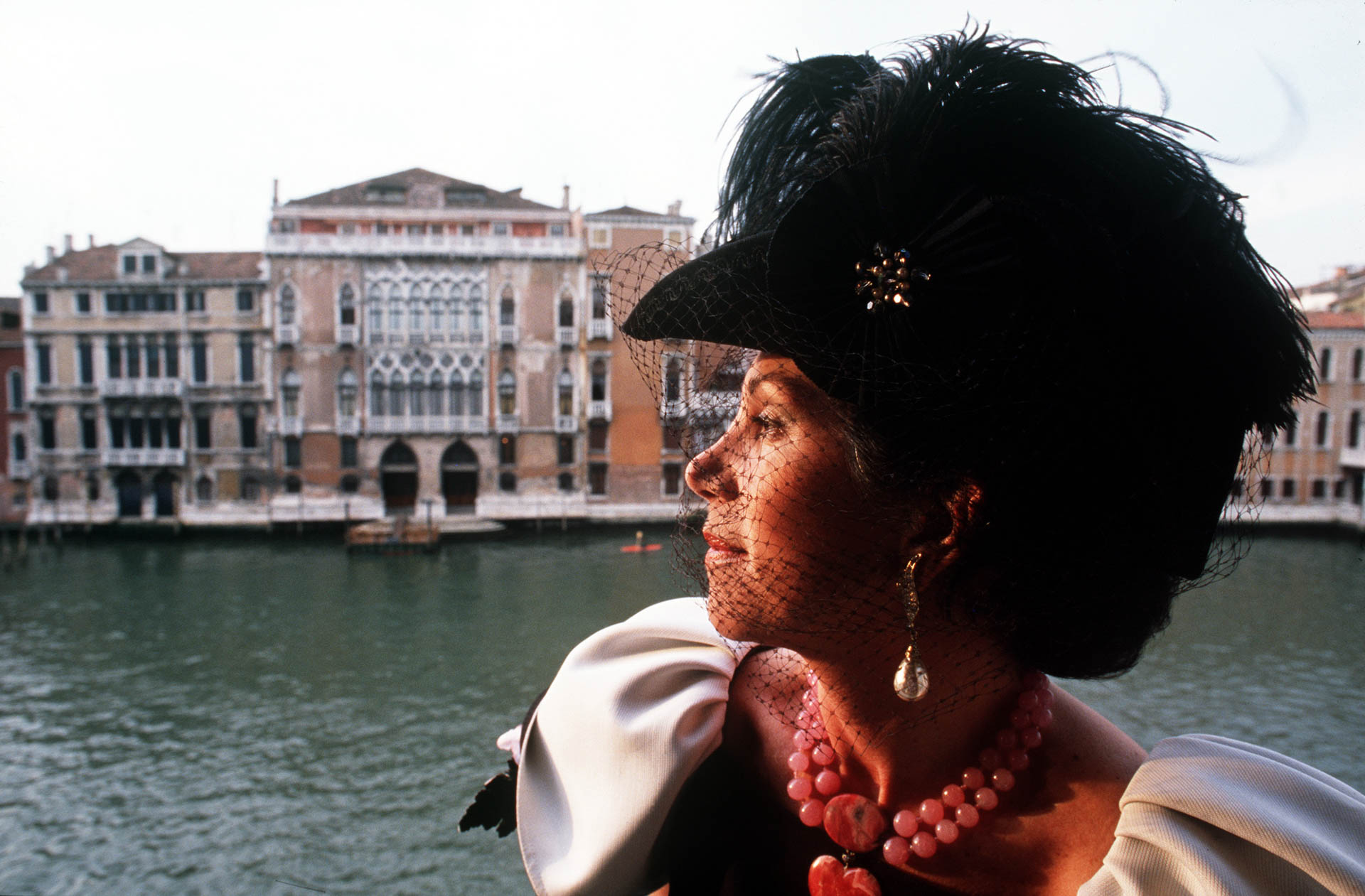 """Venice, Italy - March 1988 Countess Lucia Zauagli in her palace on the Canal Grande: in Venice her parties at """"Carnevale"""" time have become very famous.© GIANNI GIANSANTI"""