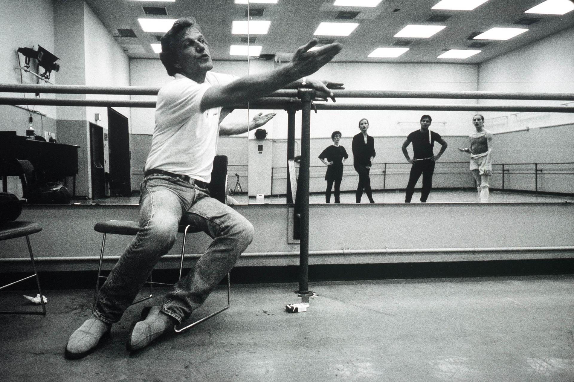 New York, USA 10 May 1995. A week spend in the backstage of the prestigious New York city ballet.© GIANNI GIANSANTI