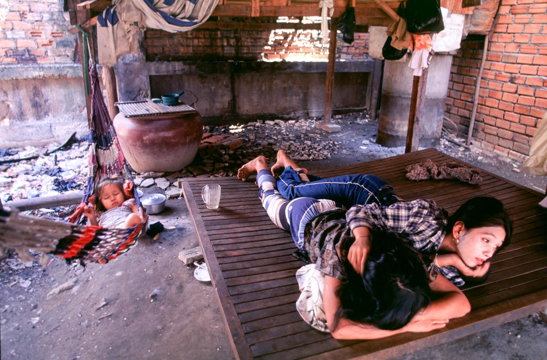 Phnom Phen,17 February  1999Travel around word of prostitution in Cambogia accompanied by   Somaly Mam.© GIANNI GIANSANTI
