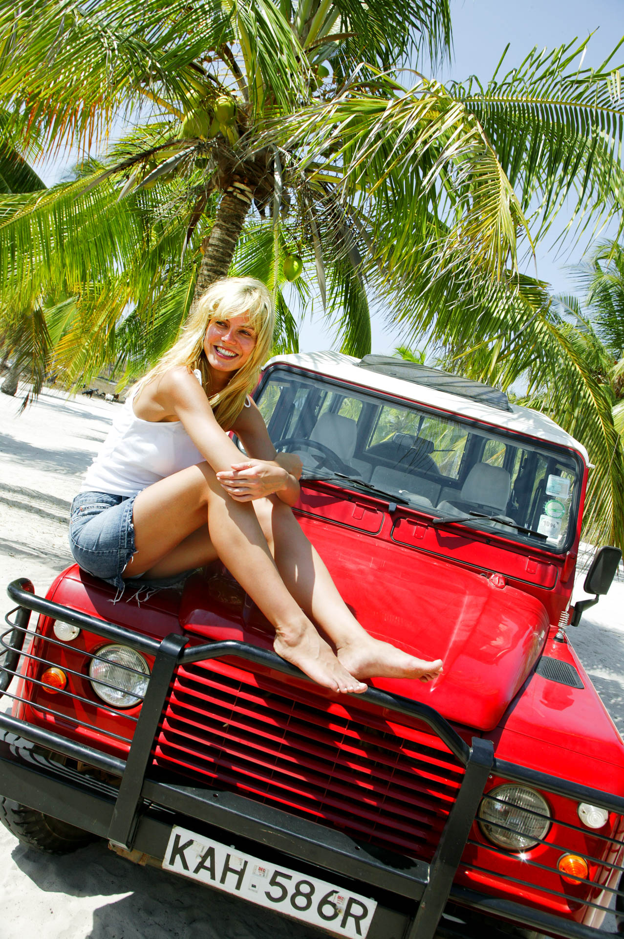 Heidi Klum on the dunes of Malindi'beach on the jeep.