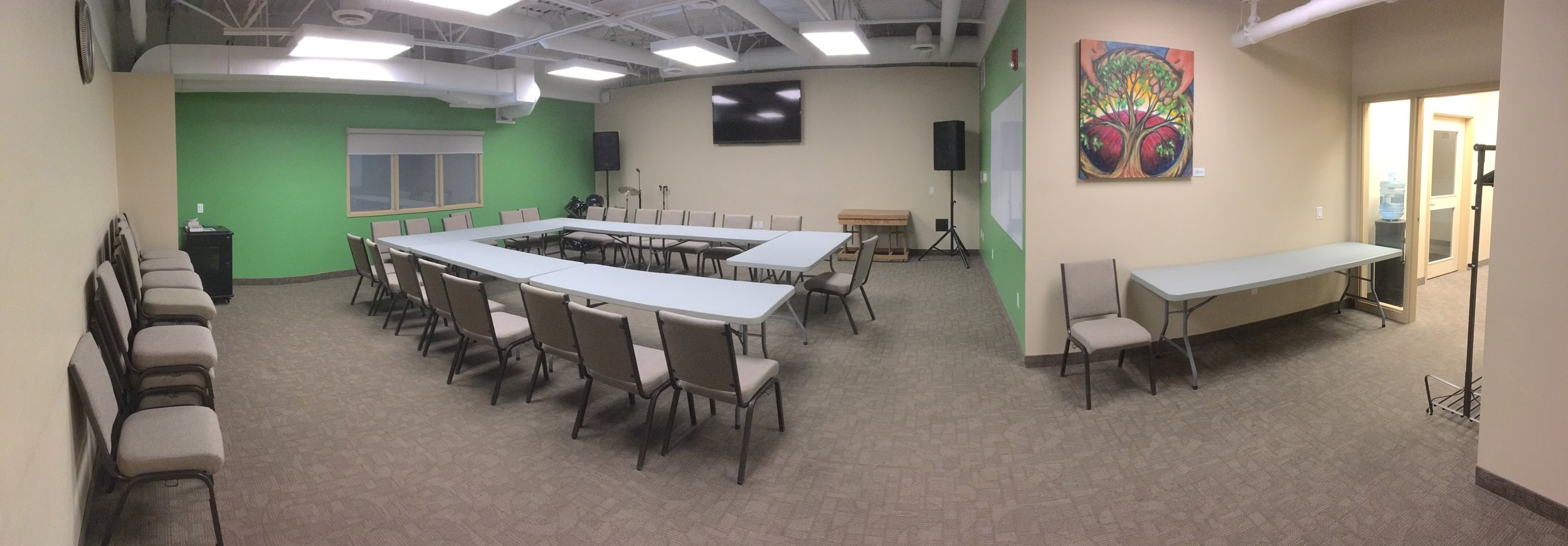 Large Seminar Room - view 1JPG.jpg