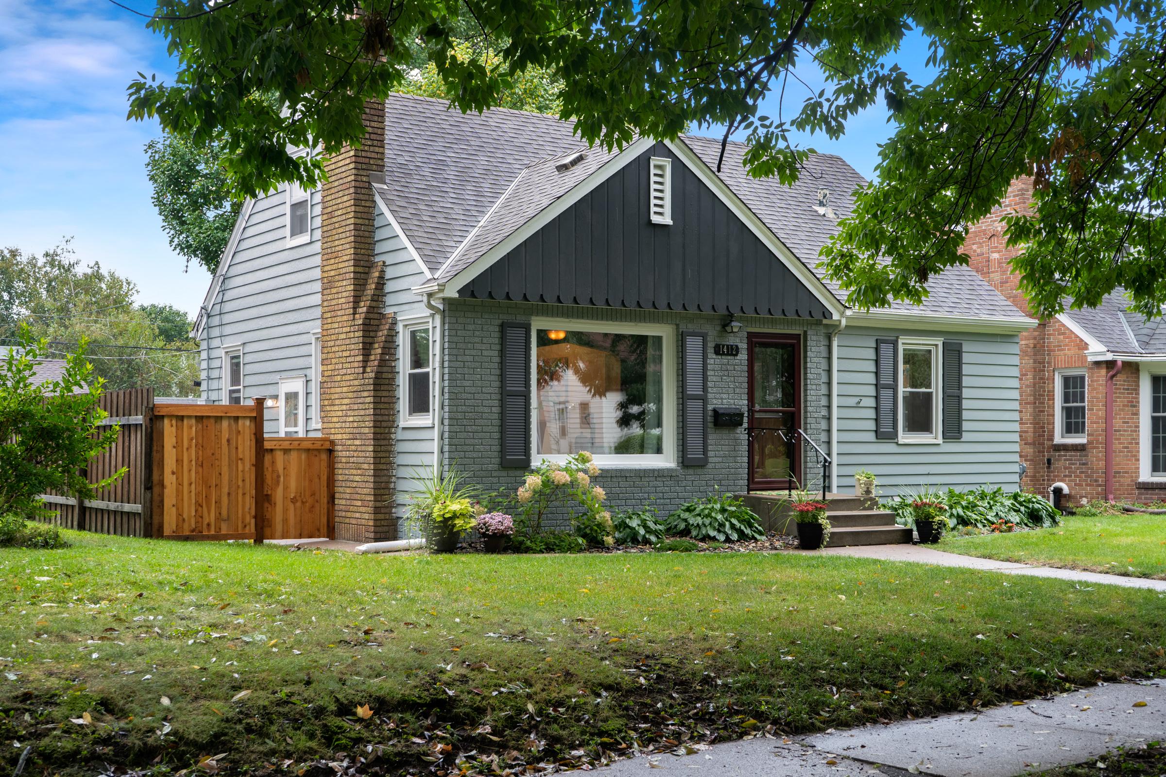 1412 Bayard Avenue Saint Paul, MN 55116 -