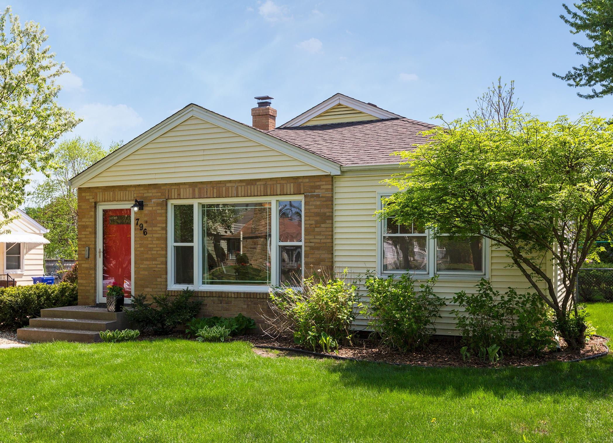 796 Cottage Avenue Saint Paul, MN 55117 -