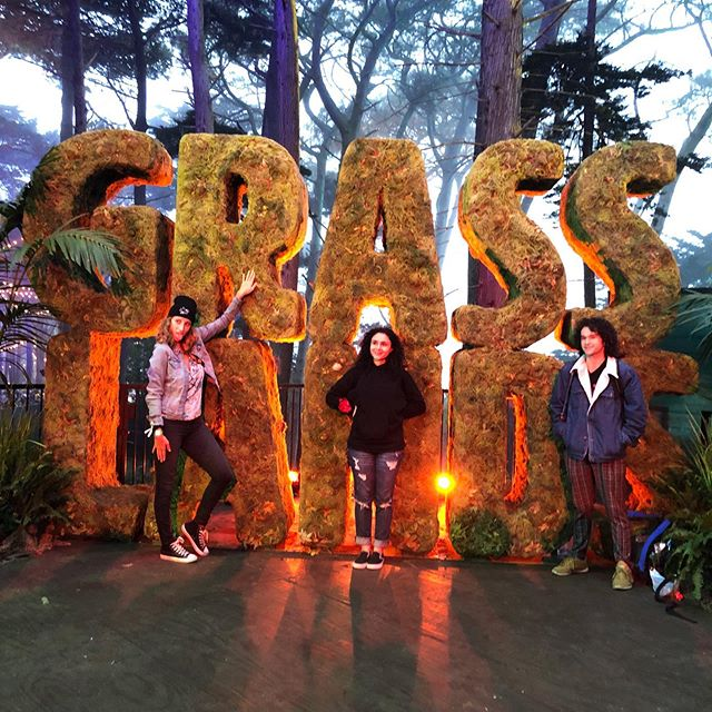 Have you taken a pic with the @olgrasslands wall?? . . #OLgrasslands #sanfransisco #cannibuscommunity #cannibusculture #cannabis #olgrasslands #sfbay #musicfestival #musicfest #fueledbythc #420culture  #weedcommunity #cannalove #cannagirls #cannawomen #weedandwomen #womenincannibus #womenofcannibus #cannibusinfluencer #bayarea #sf #california