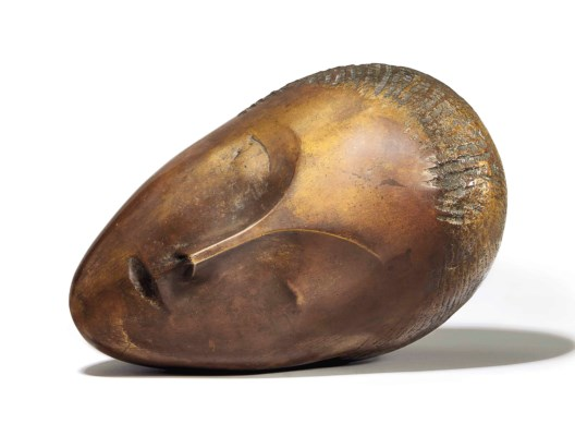Constantin Brancusi, La muse endormie (1913). Patinated bronze with gold leaf