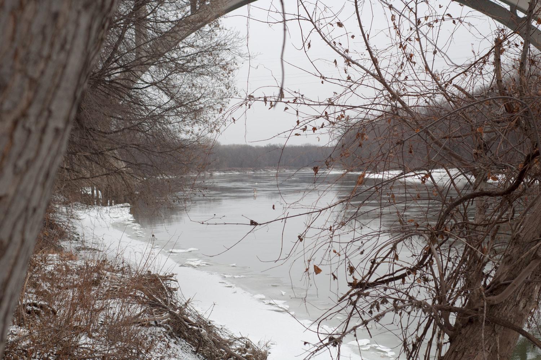 Minnesota River - looking downstream under Mendota Bridge