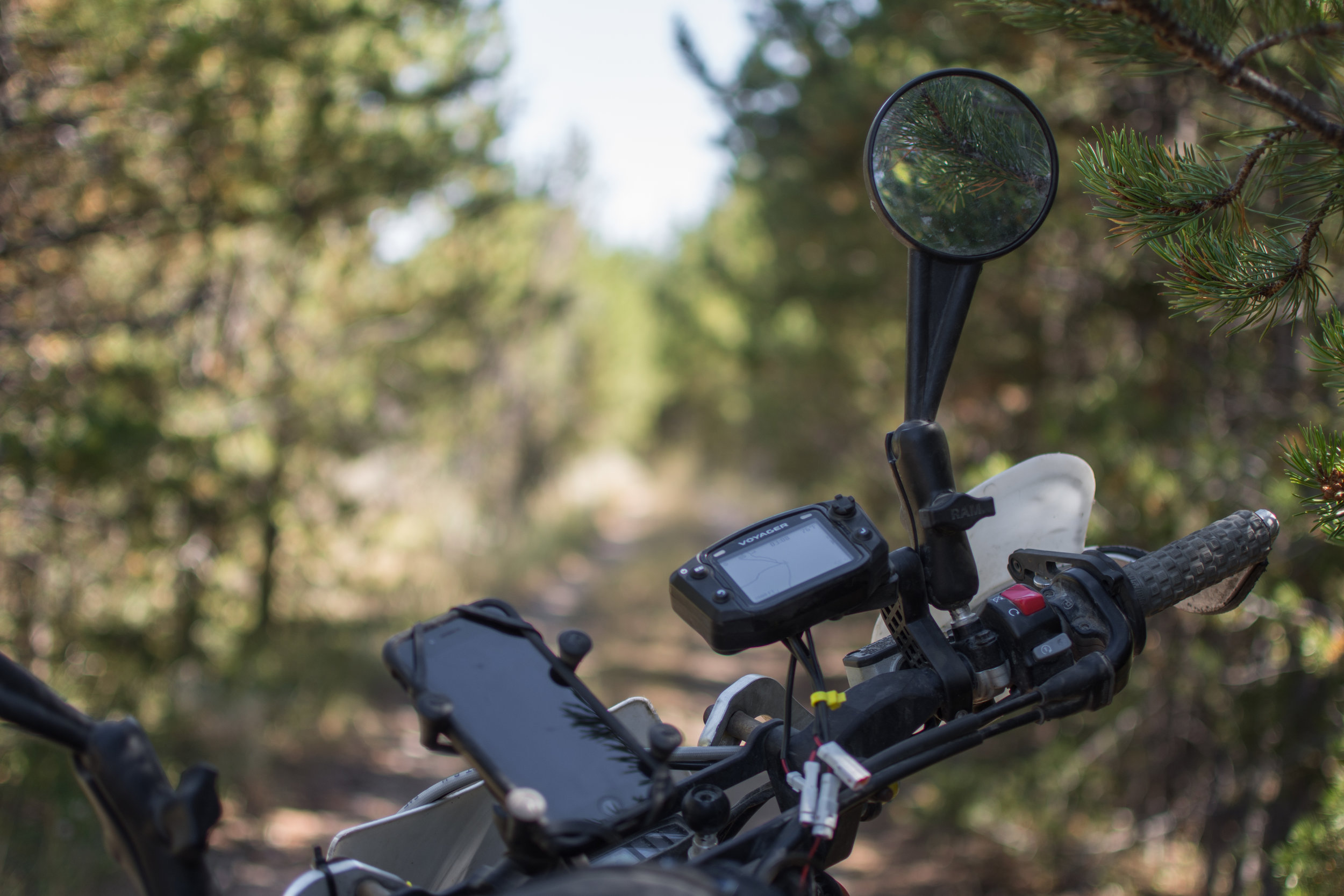 Trail Tech  Voyager  and iPhone 7 for navigation.