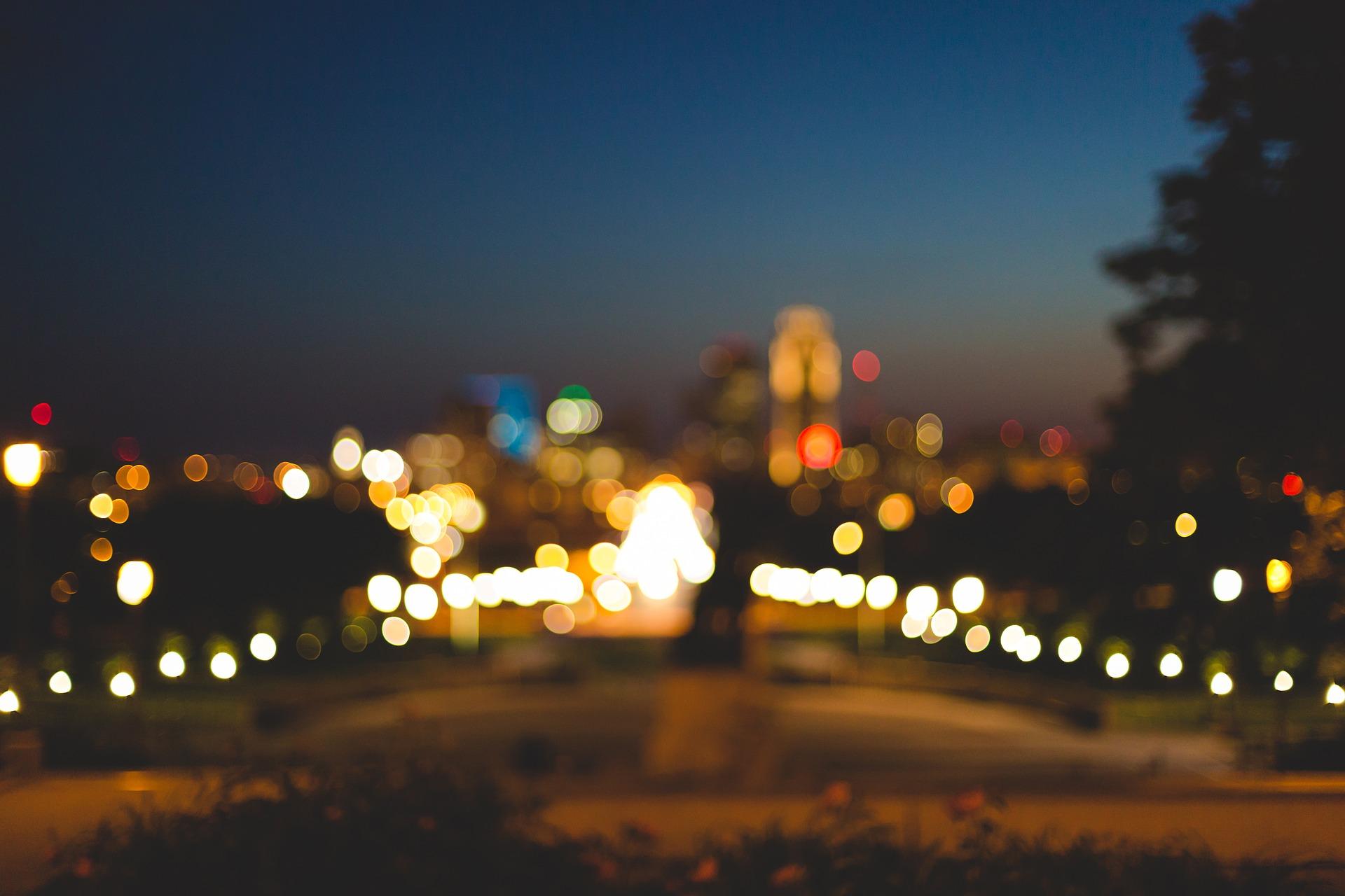 blurry city.jpg