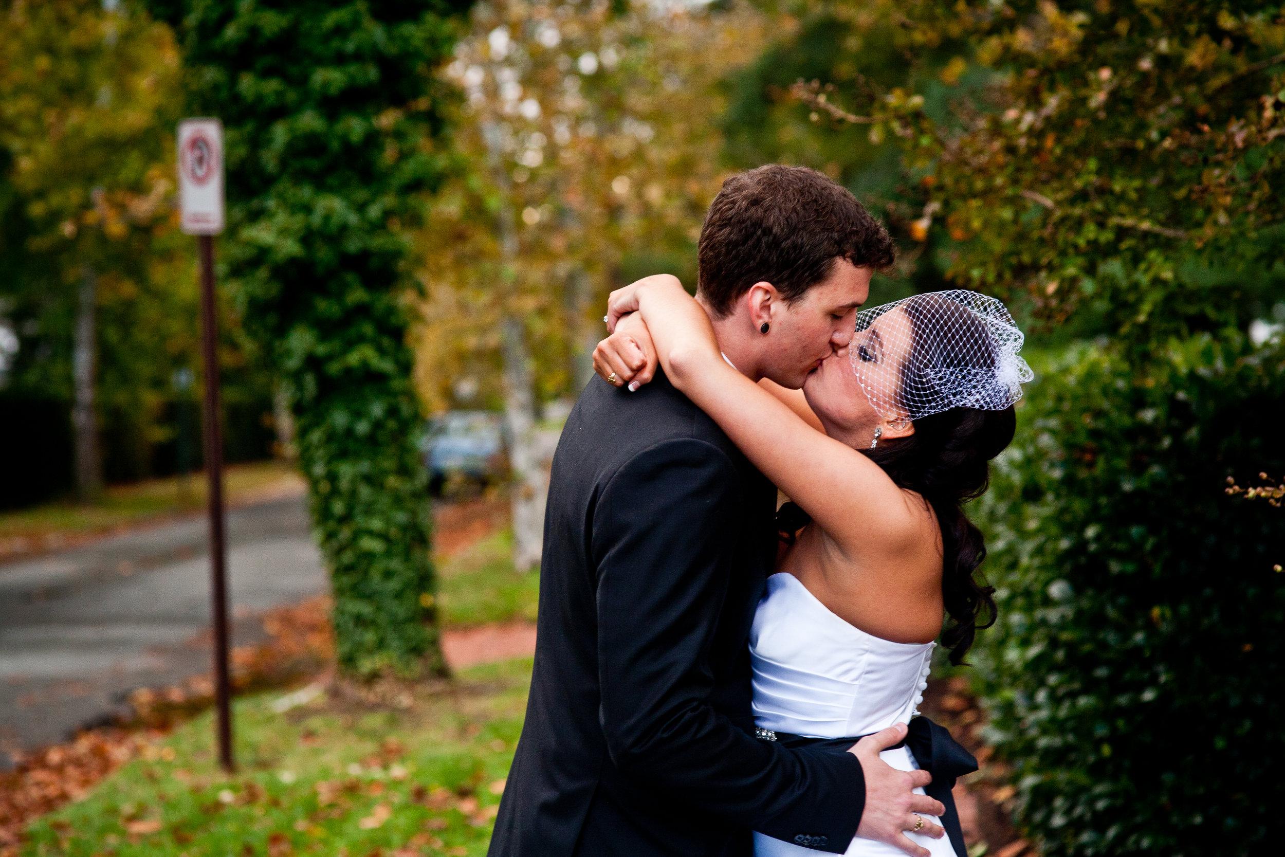 Richmond-Weddings-Kiss.jpg