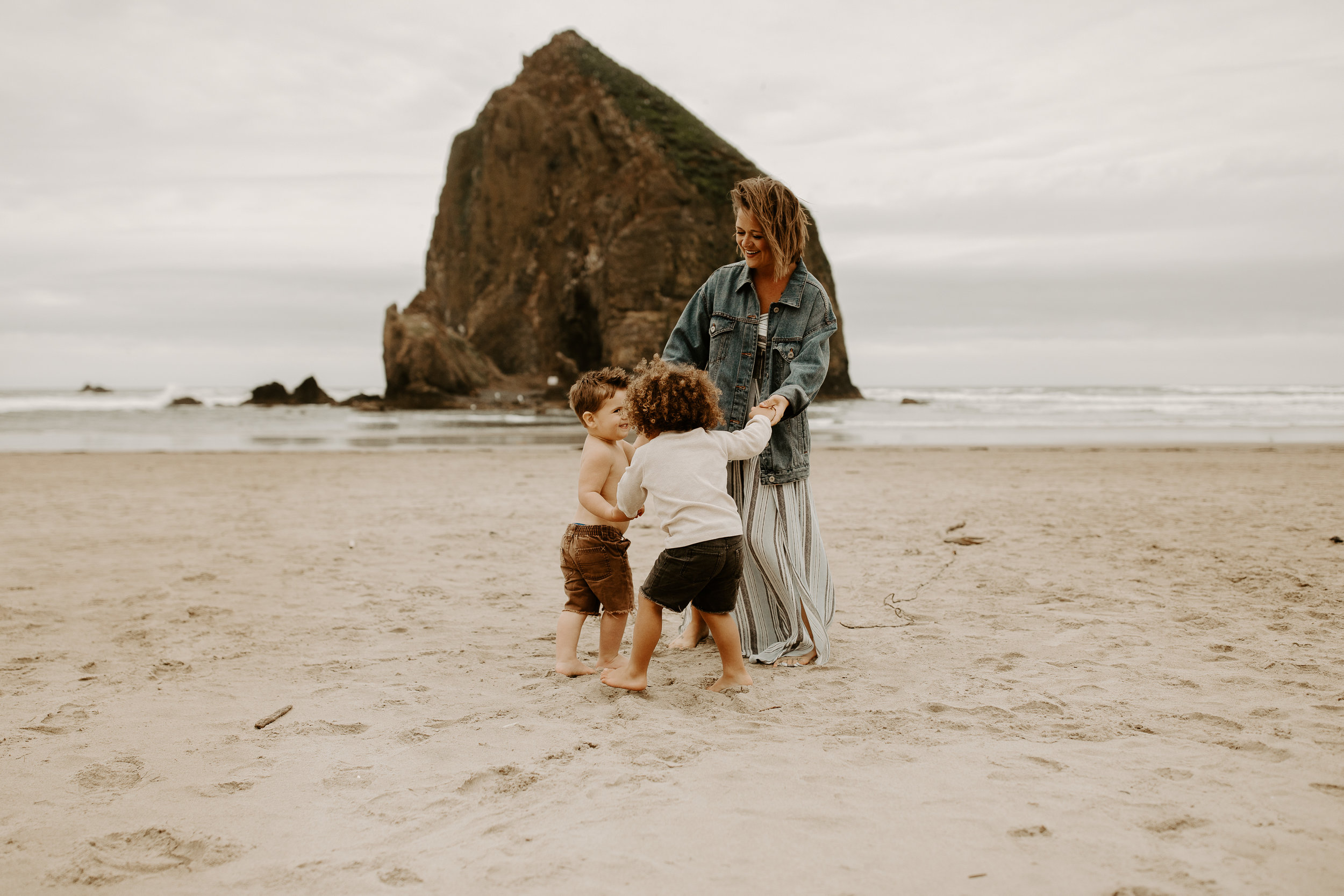 natalie kristeen brenner, cannon beach photoshoot