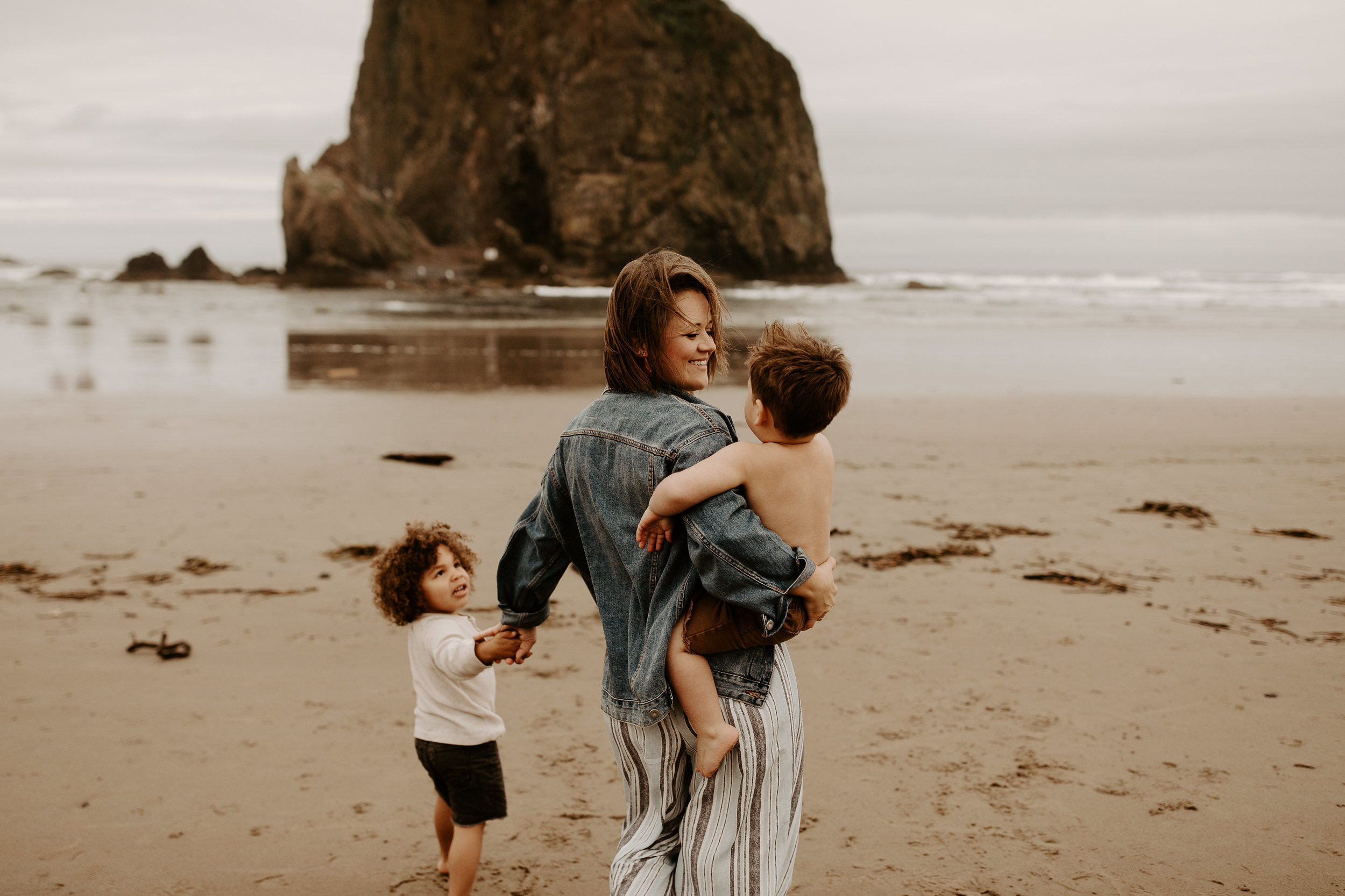 natalie kristeen brenner, cannon beach photoshoot, dani brewer photography