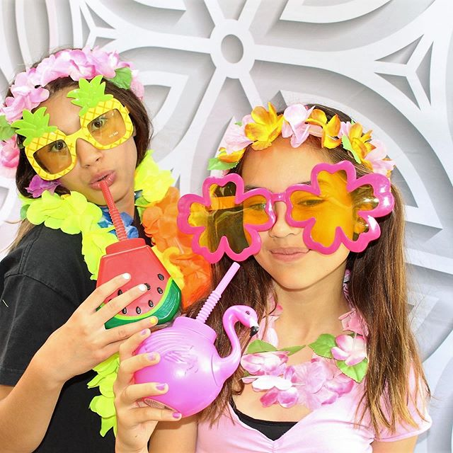 Schools out!!! Francis Parker enjoys their last day of school.  Circus fun with Photocatz Photo booth!  #photocatzsummer #photobooth ##memorymaker #sandiegophotobooths #summertime