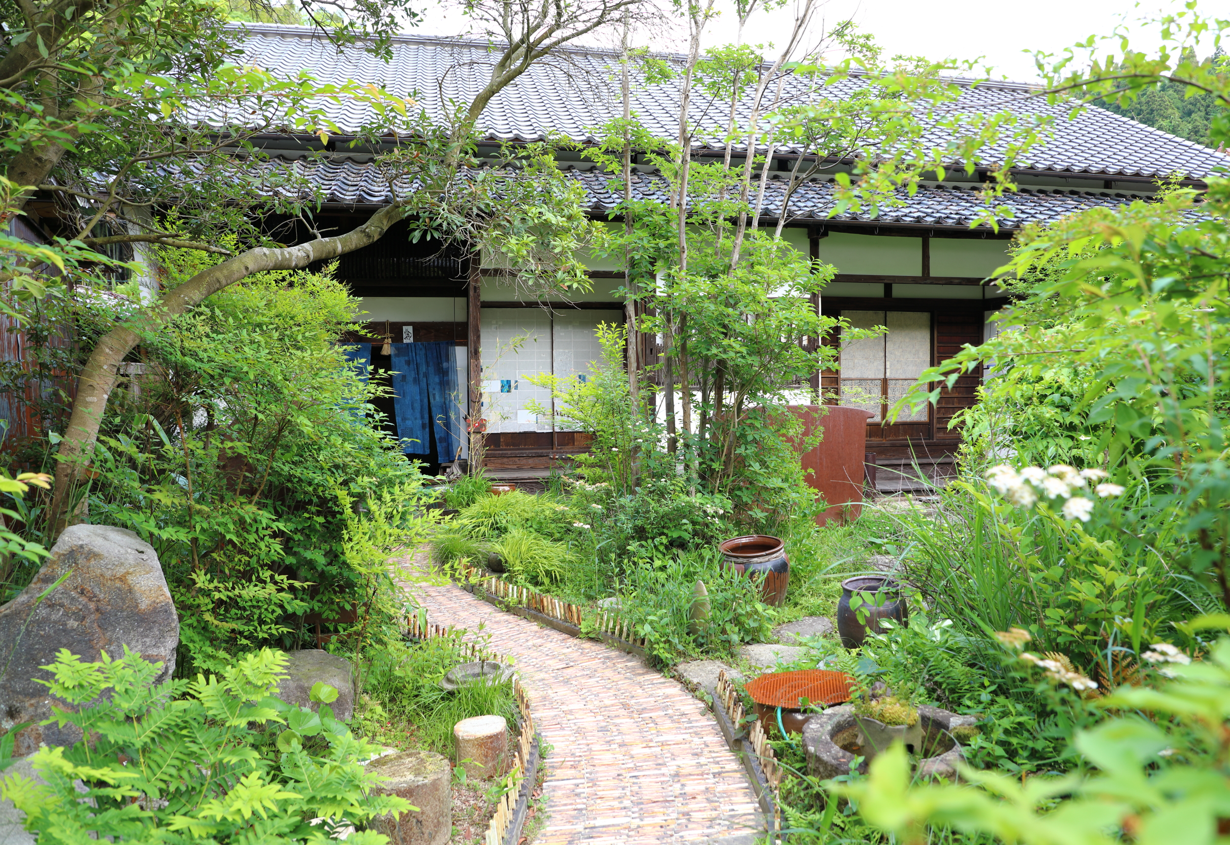 Front courtyard and main entrance to Takyo Abeke.