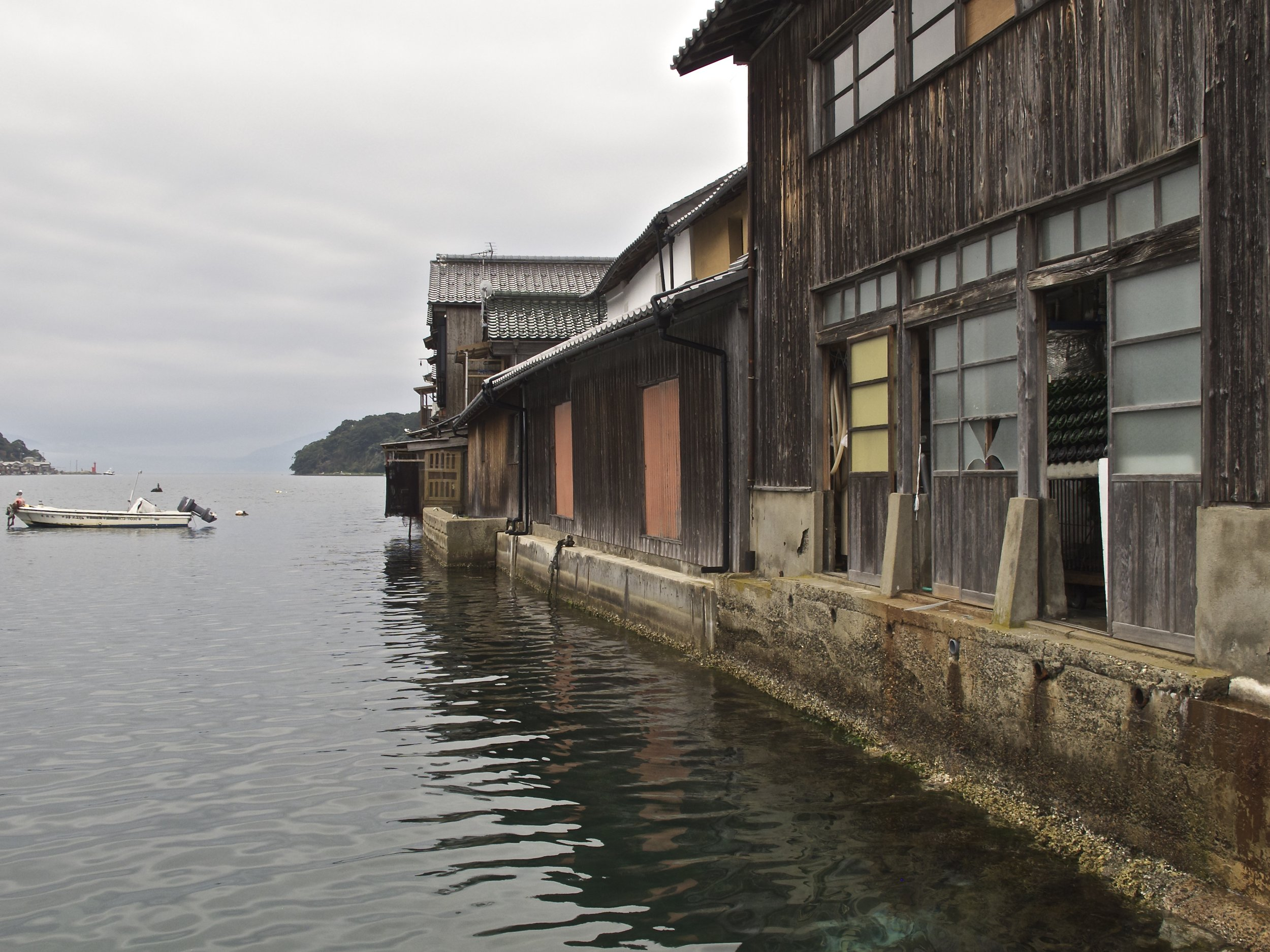 Like all buildings in Ine, Mukai Shuzo Sake Brewery is located at the water's edge, making it easy for local customers to come by boat to buy their sake.