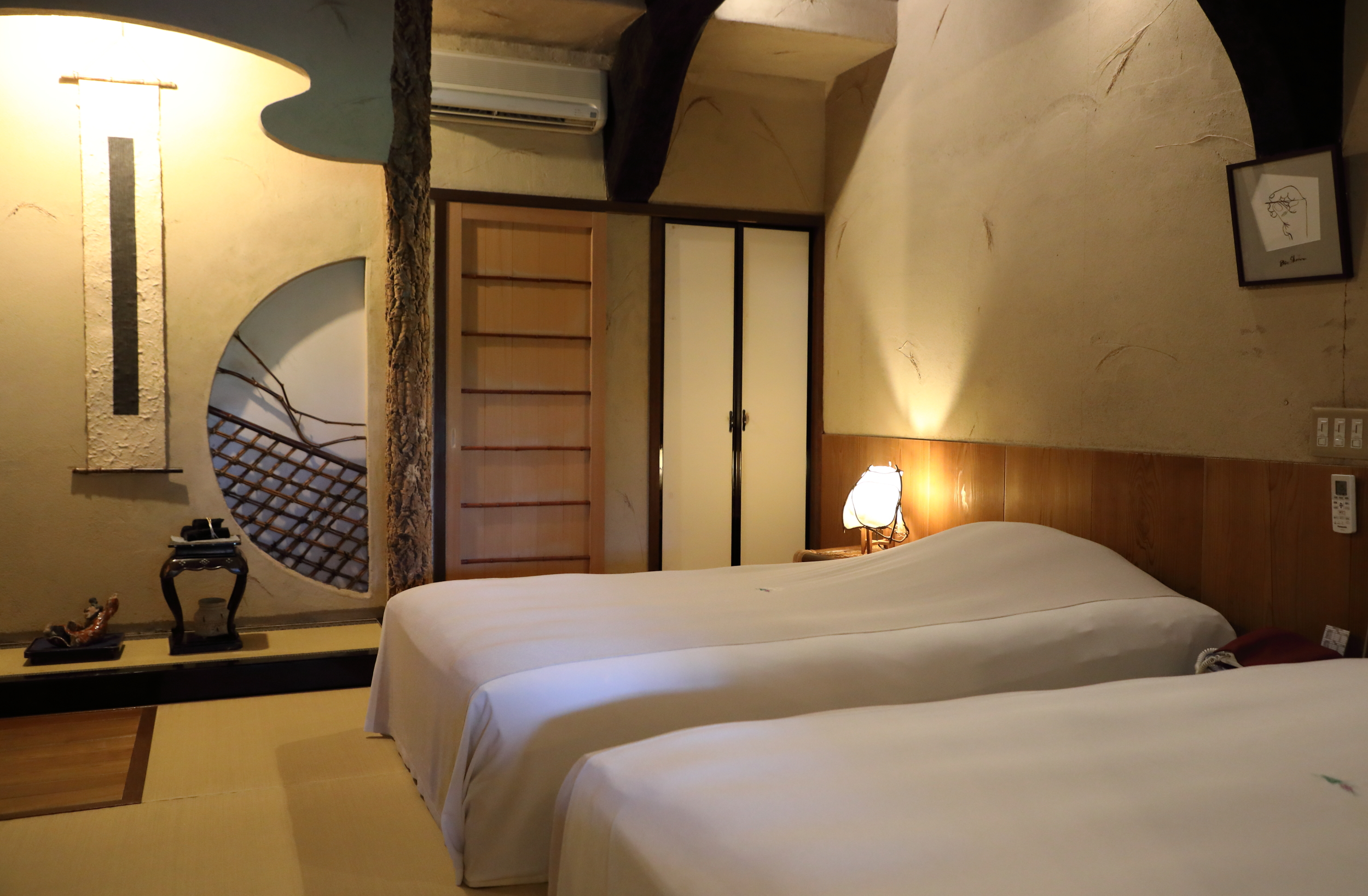 All rooms in the inn have two large twin beds, a separate sitting area, and their own bathrooms.