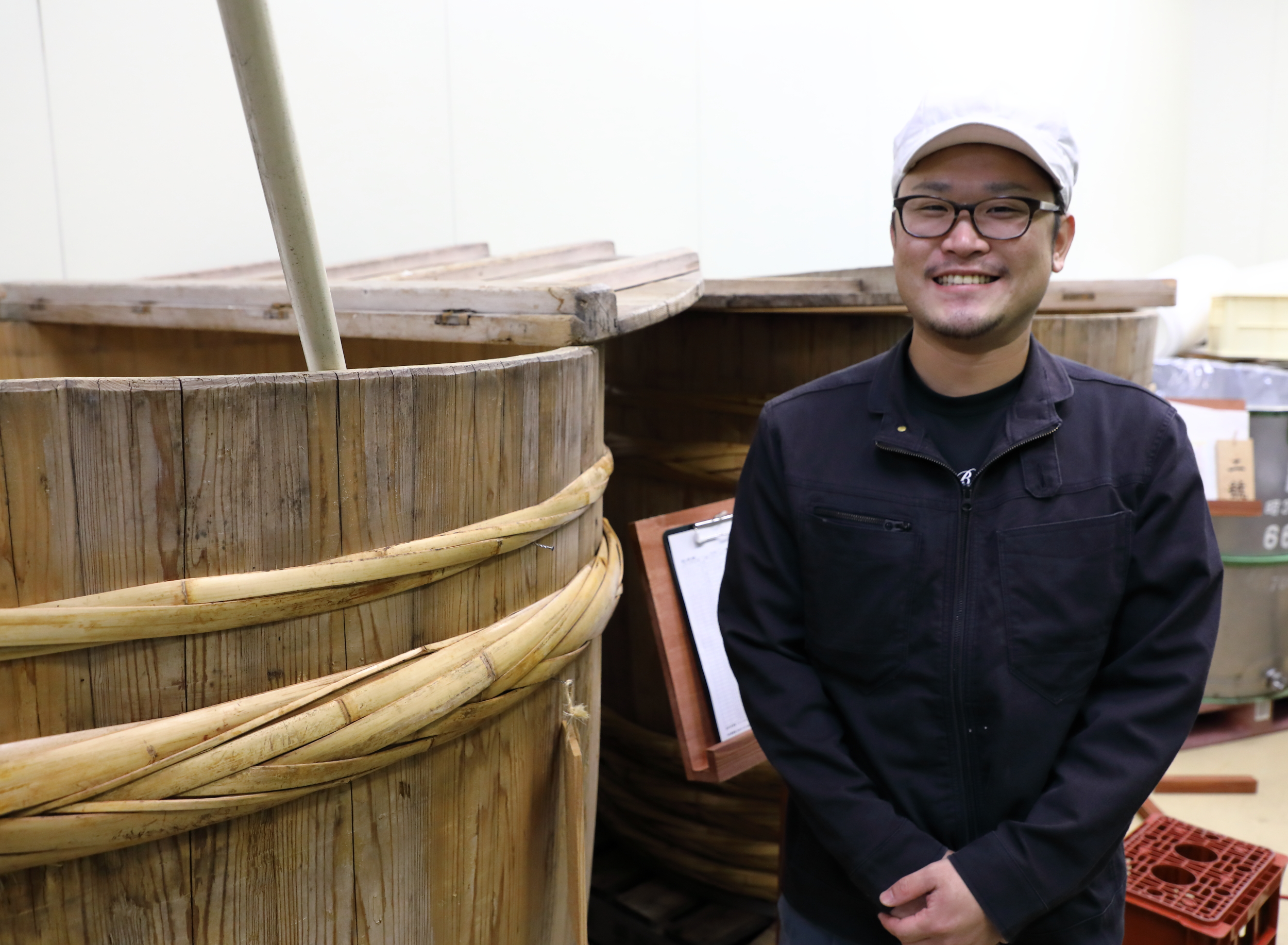 Mr. Hishimoto, Hakusen's chief brewer ( toji ).