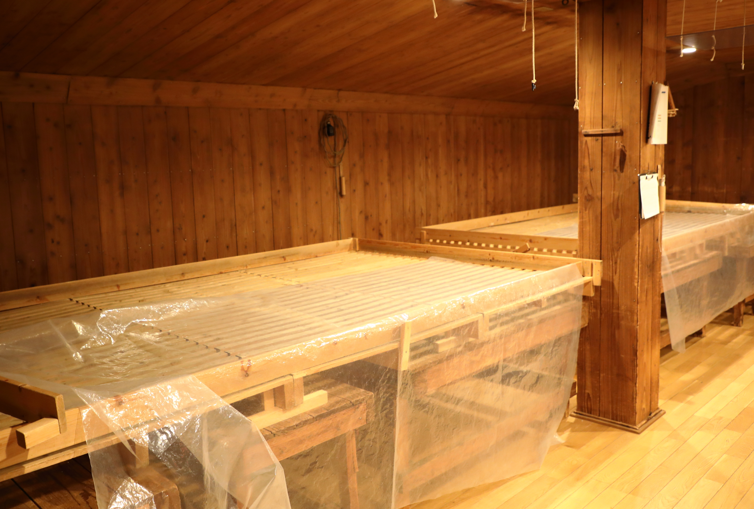 The  muro  room where the rice  koji  is cultivated over three days.