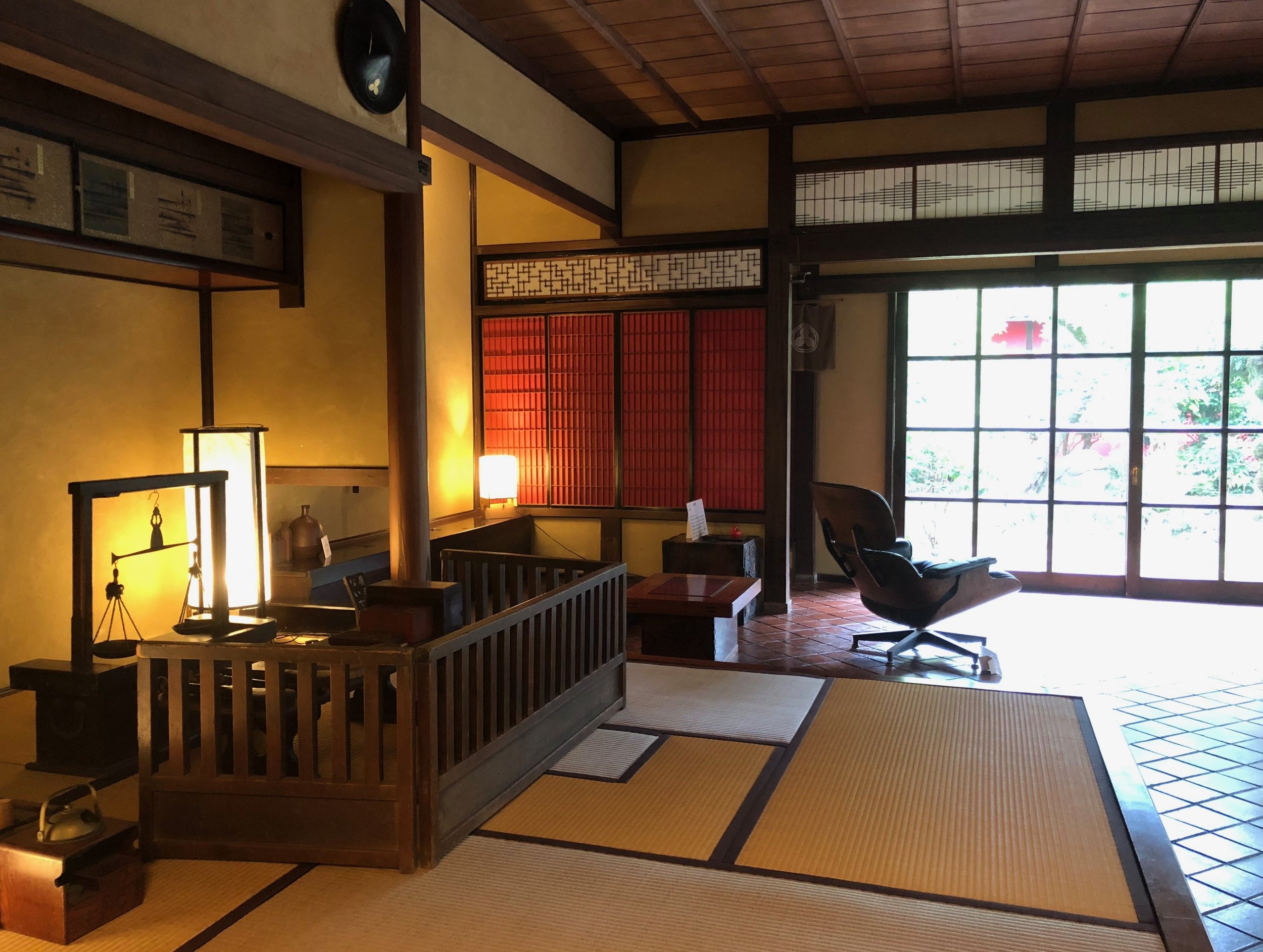 Several rooms in the Kamebishiya brewery have been preserved to showcase the 18th century lifestyle of an affluent soy sauce brewer like the Okada family..