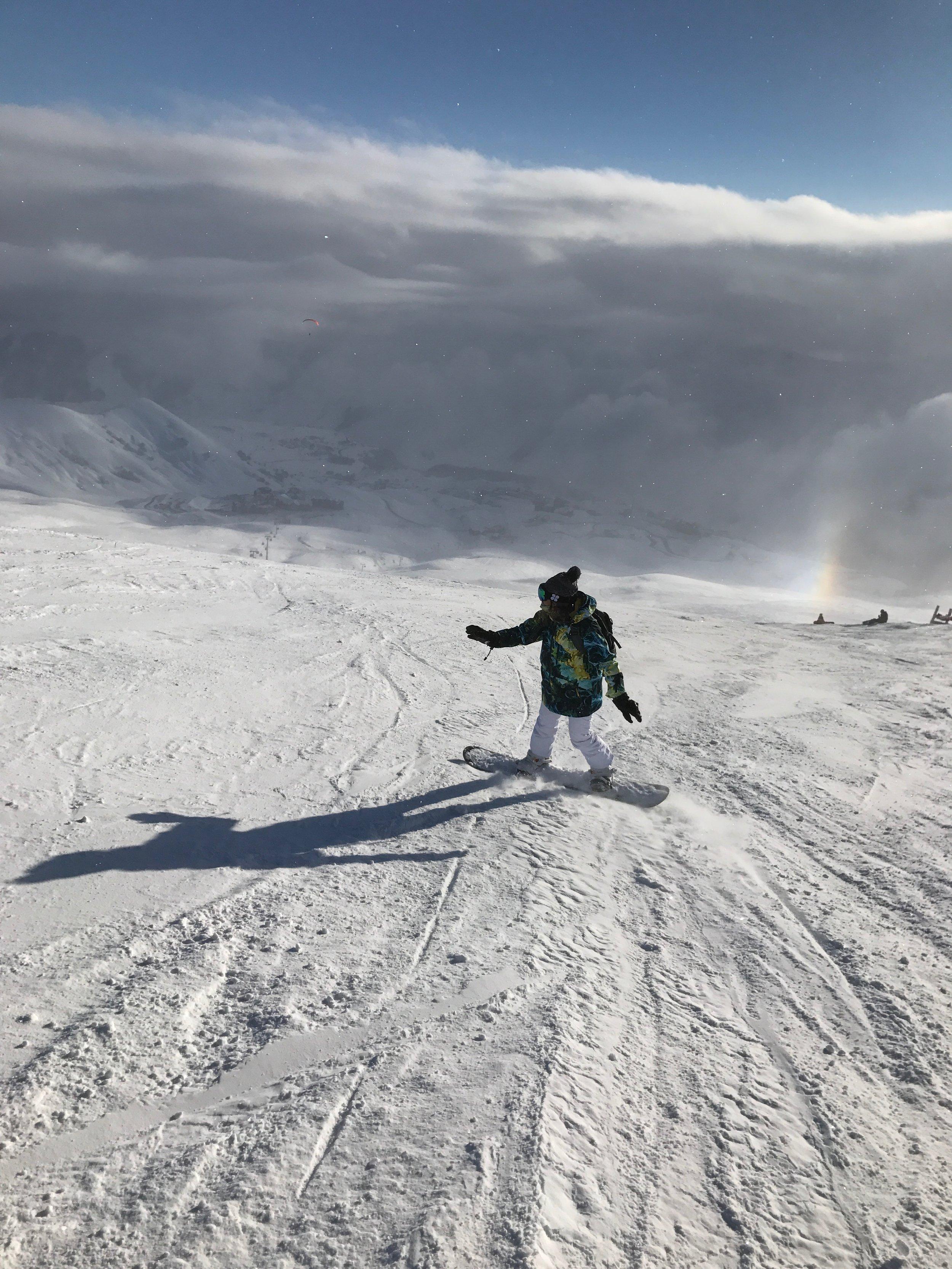 Snowboarding in Gudauri