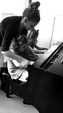 Girls Piano.jpg