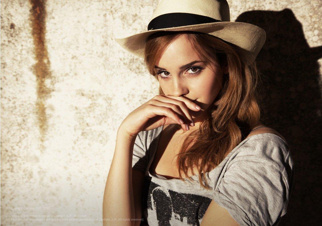 Emma-Watson-Photoshoot-061-Andrea-Carter-Bowman-2010-anichu90-17381042-1126-790.jpg