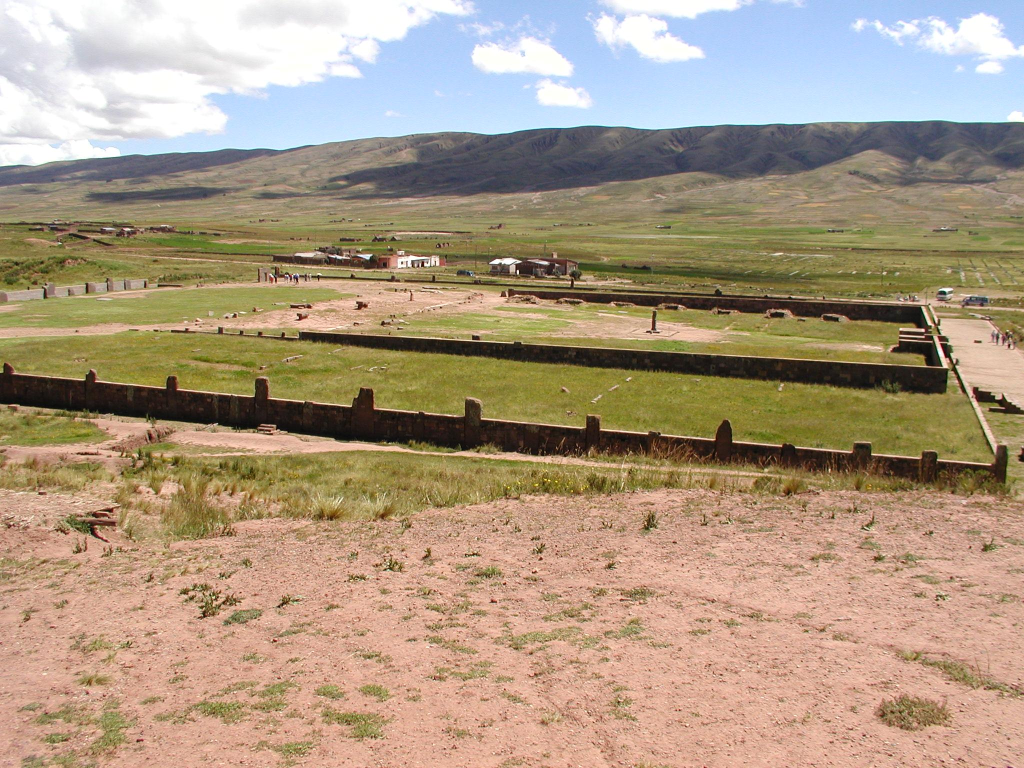Tihuanaco panorama 2.jpg