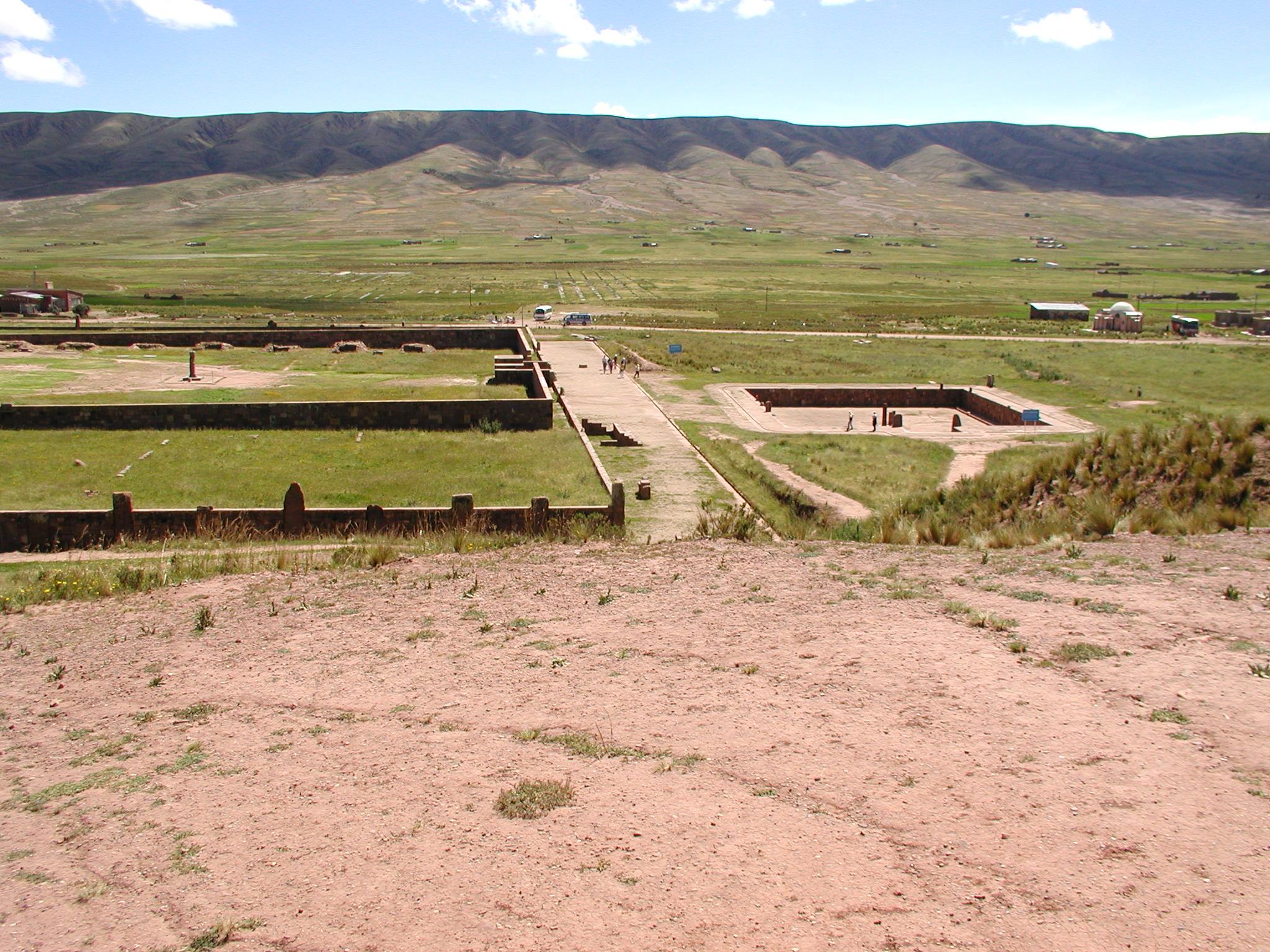 Tihuanaco panorama 3.jpg