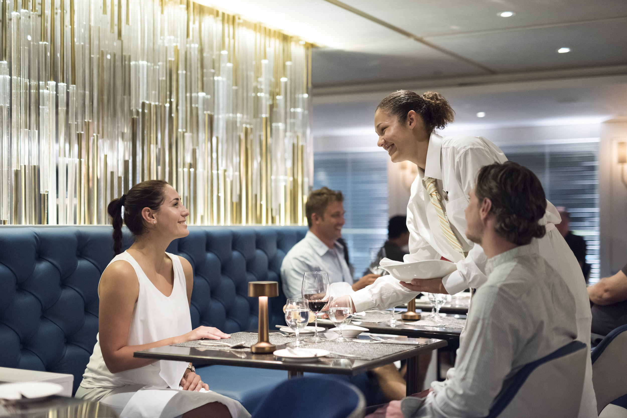 Esprit_YachtClub_Diners.jpg